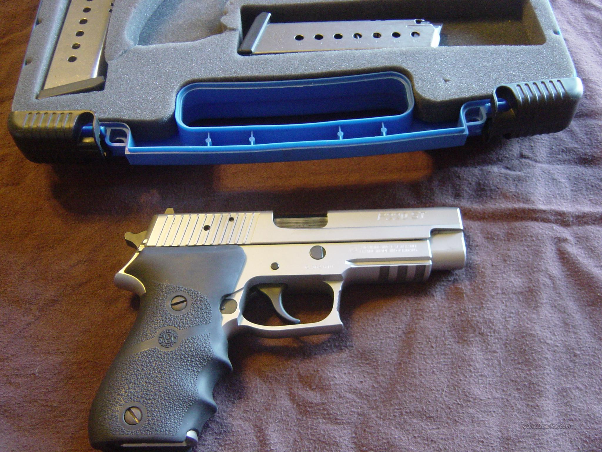 SIG SAUER P220ST Stainless REDUCED PRICE!! 45 acp AWESOME!!!!  Guns > Pistols > Sig - Sauer/Sigarms Pistols > P220