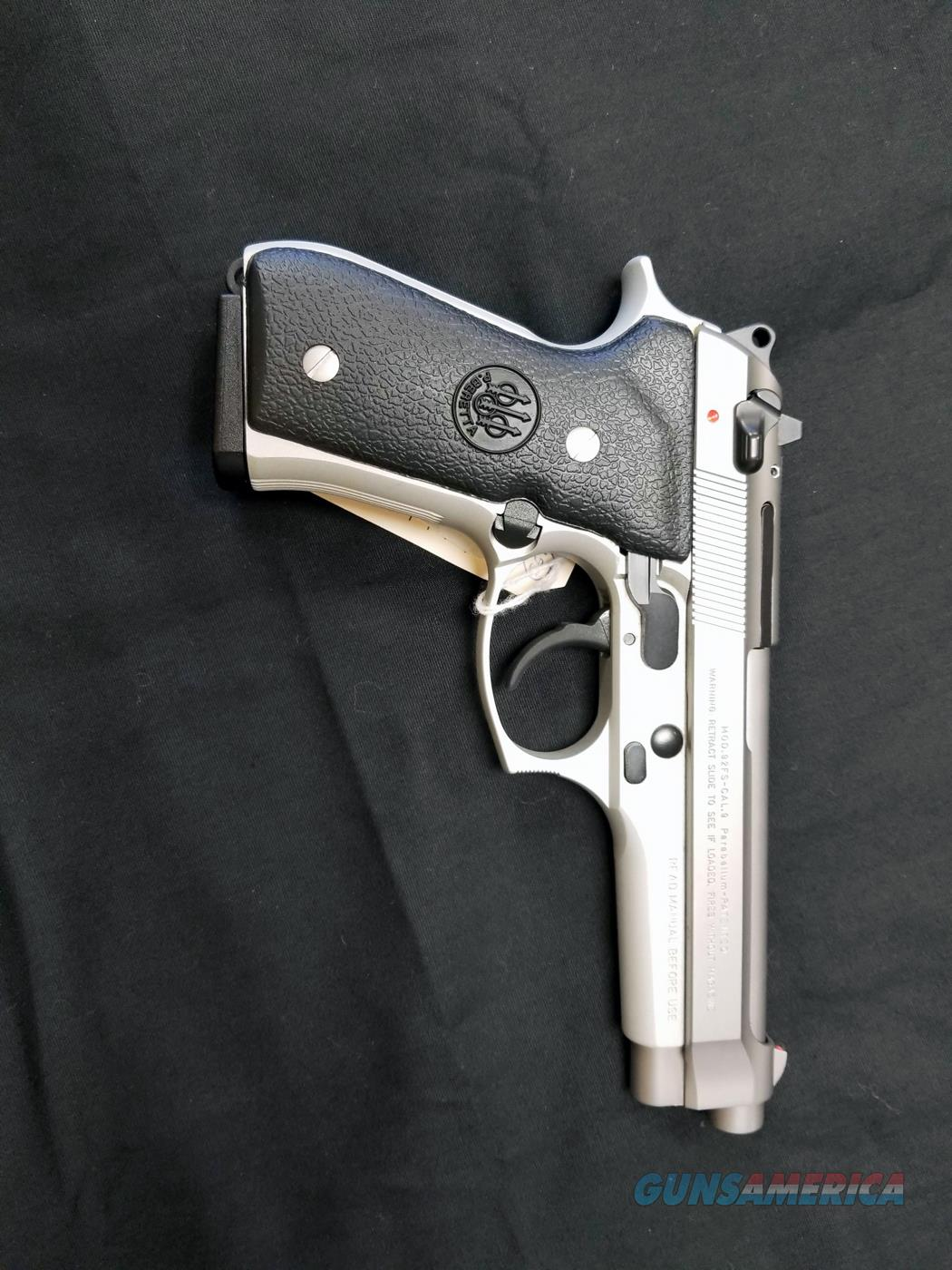 Beretta Model 92 FS Stainless Steel Inox Made in Italy Mint Condition  Guns > Pistols > Beretta Pistols > Model 92 Series
