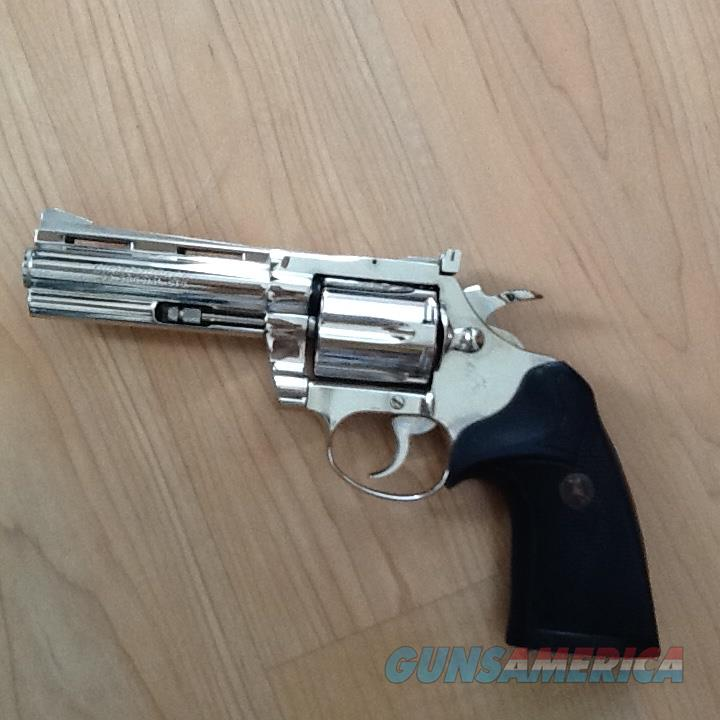 COLT - Diamondback - .38 Spl - Nickel, 4in barrel  Guns > Pistols > Colt Double Action Revolvers- Modern