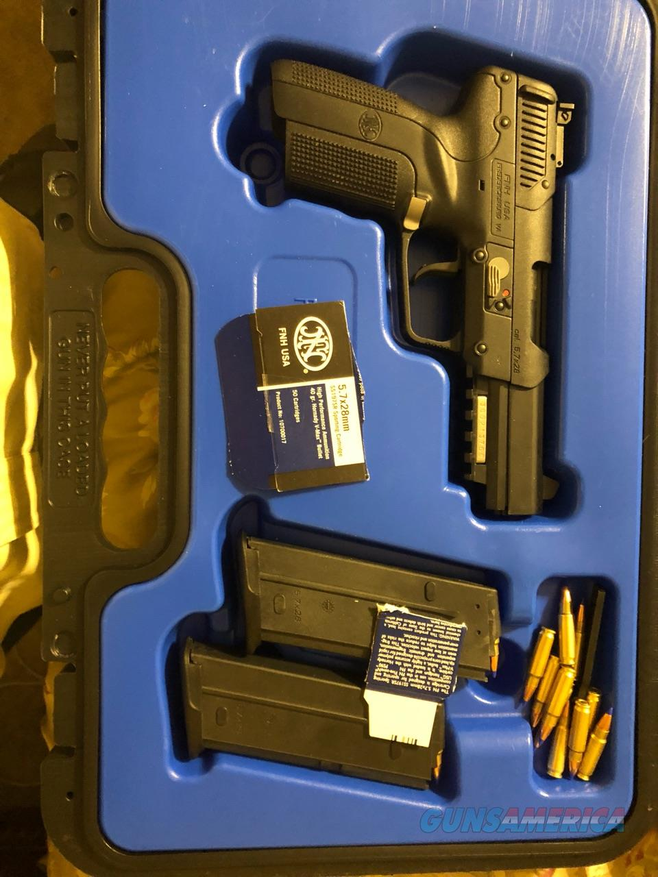 FNH Five-Seven w/2 20-Rd Mags  Guns > Pistols > FNH - Fabrique Nationale (FN) Pistols > FiveSeven