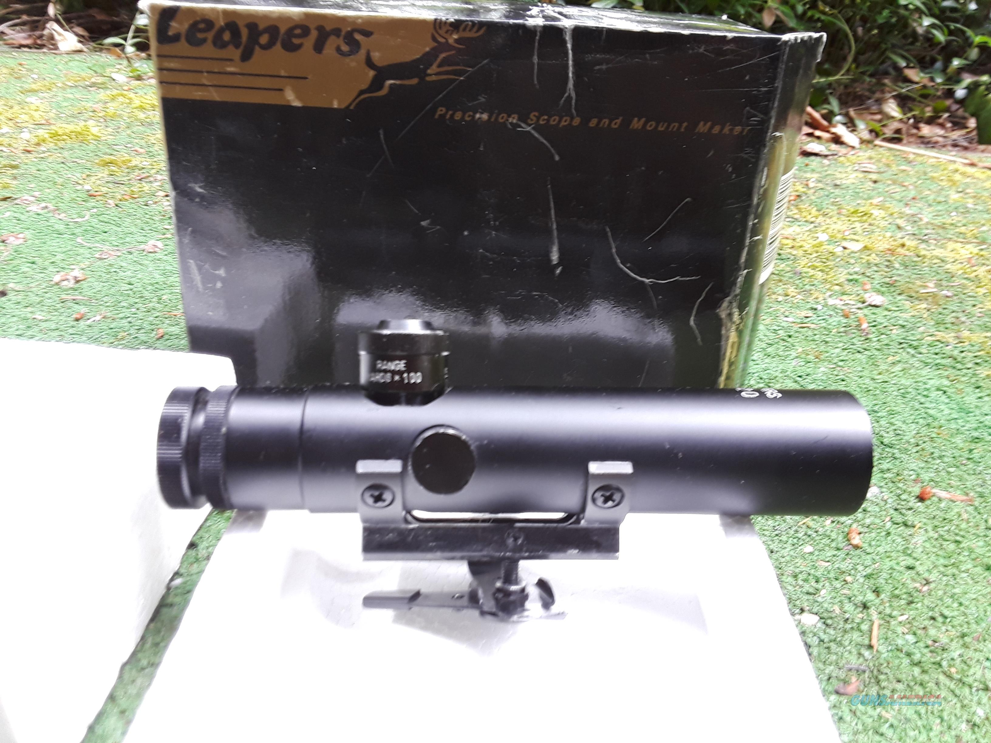 Leapers AR-15 4X20 Handle Scope with Box & Manual  Non-Guns > Scopes/Mounts/Rings & Optics > Rifle Scopes > Fixed Focal Length