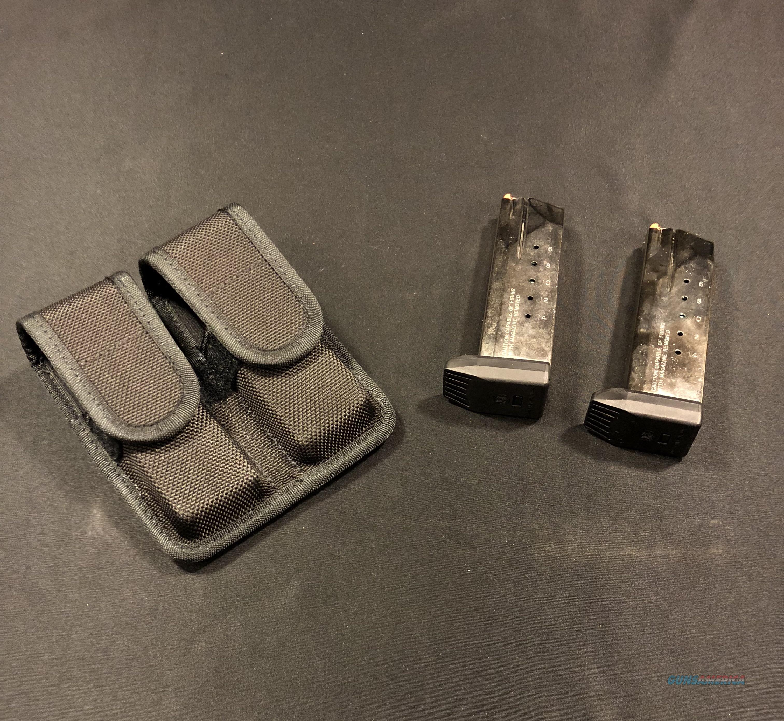 2 Smith & Wesson SW40F 15 Round Magazine Clips USED W/ Free Holster  Non-Guns > Magazines & Clips > Pistol Magazines > Smith & Wesson