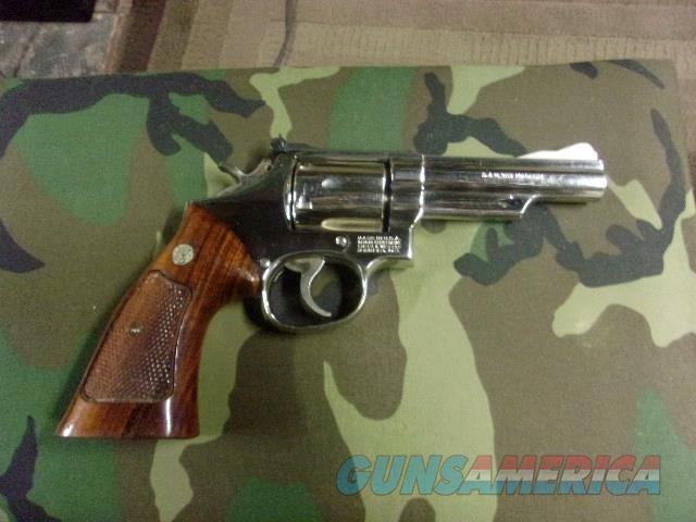 Smith & Wesson revolver 357 combat magnum, nickel  Guns > Pistols > Smith & Wesson Revolvers > Med. Frame ( K/L )