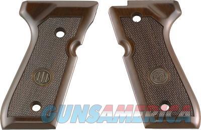 Beretta 92 Compact Grips Wood - Walnut W-medallion<  Guns > Pistols > 1911 Pistol Copies (non-Colt)