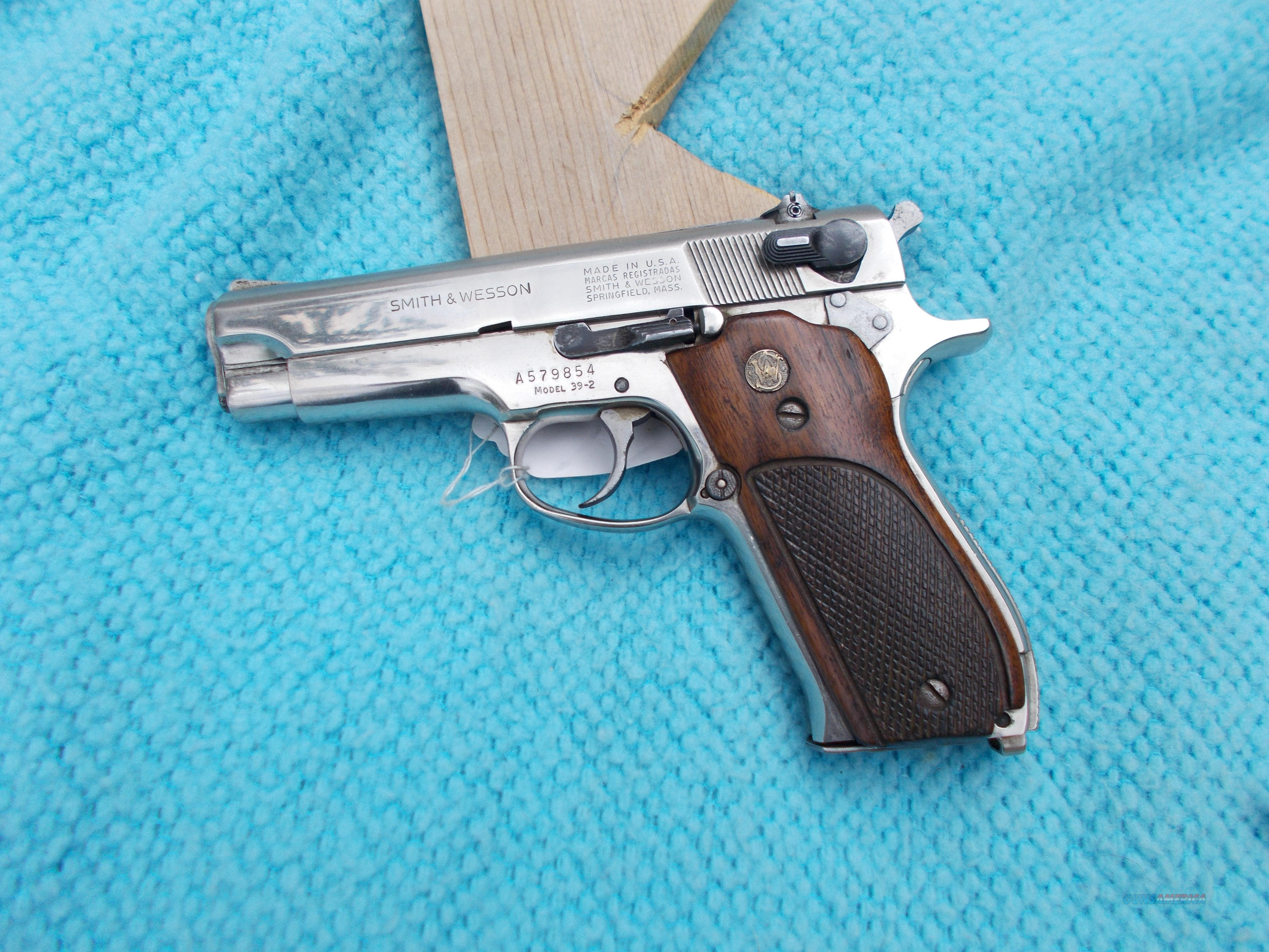 smith&wesson 39-2 9mm nickel  Guns > Pistols > Smith & Wesson Pistols - Autos > Steel Frame
