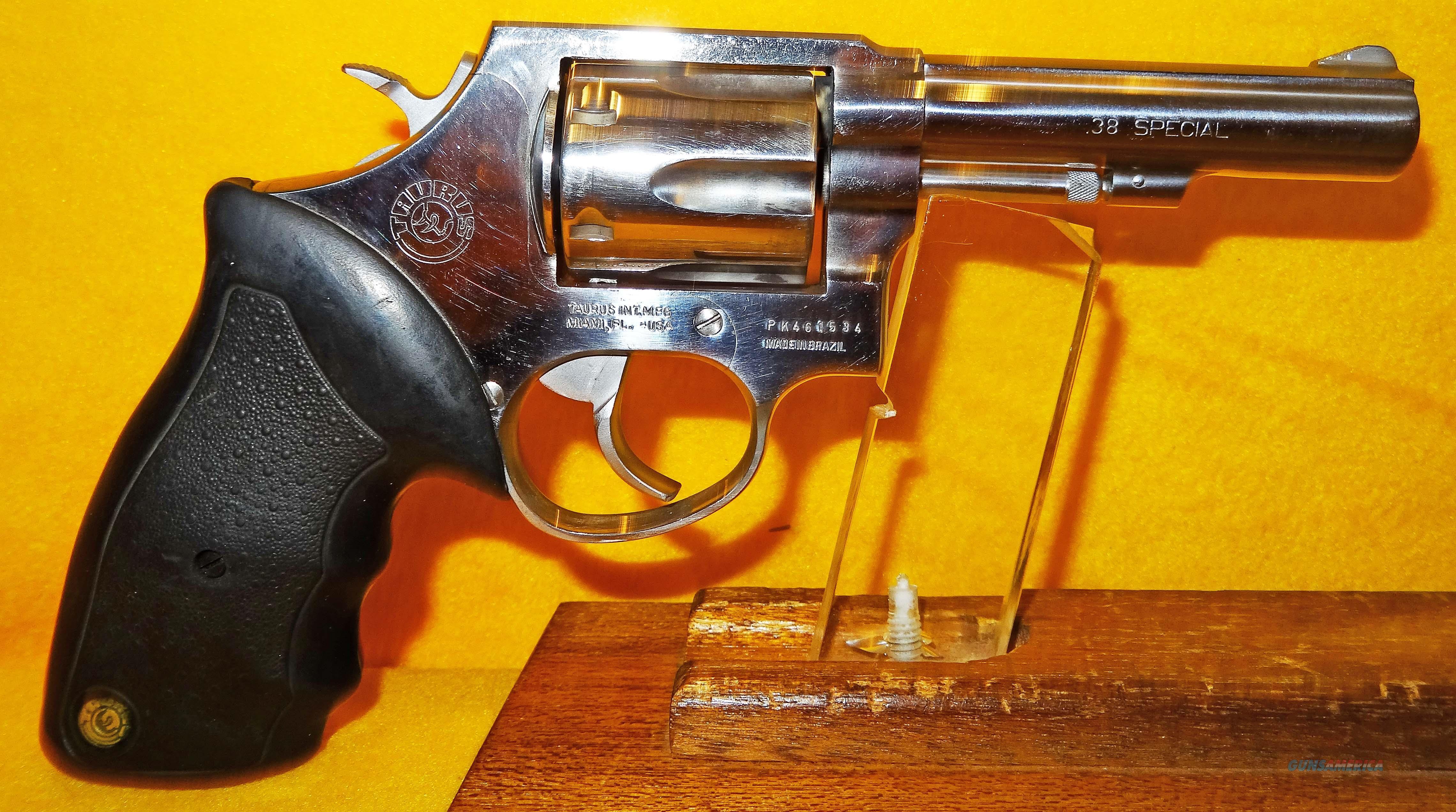 TAURUS 82  Guns > Pistols > Taurus Pistols > Revolvers