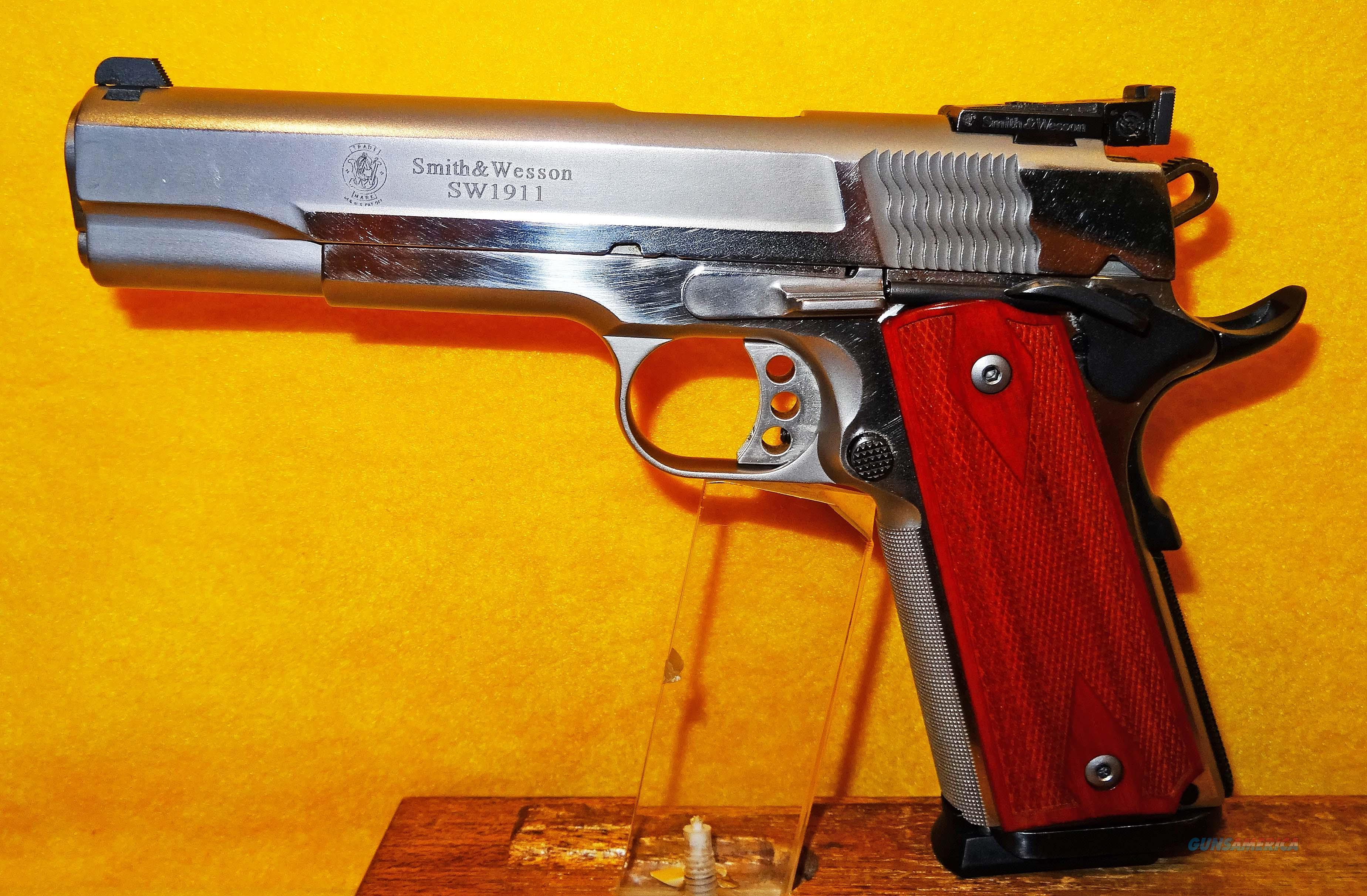 S&W SW1911 PRO SERIES  Guns > Pistols > Smith & Wesson Pistols - Autos > Steel Frame