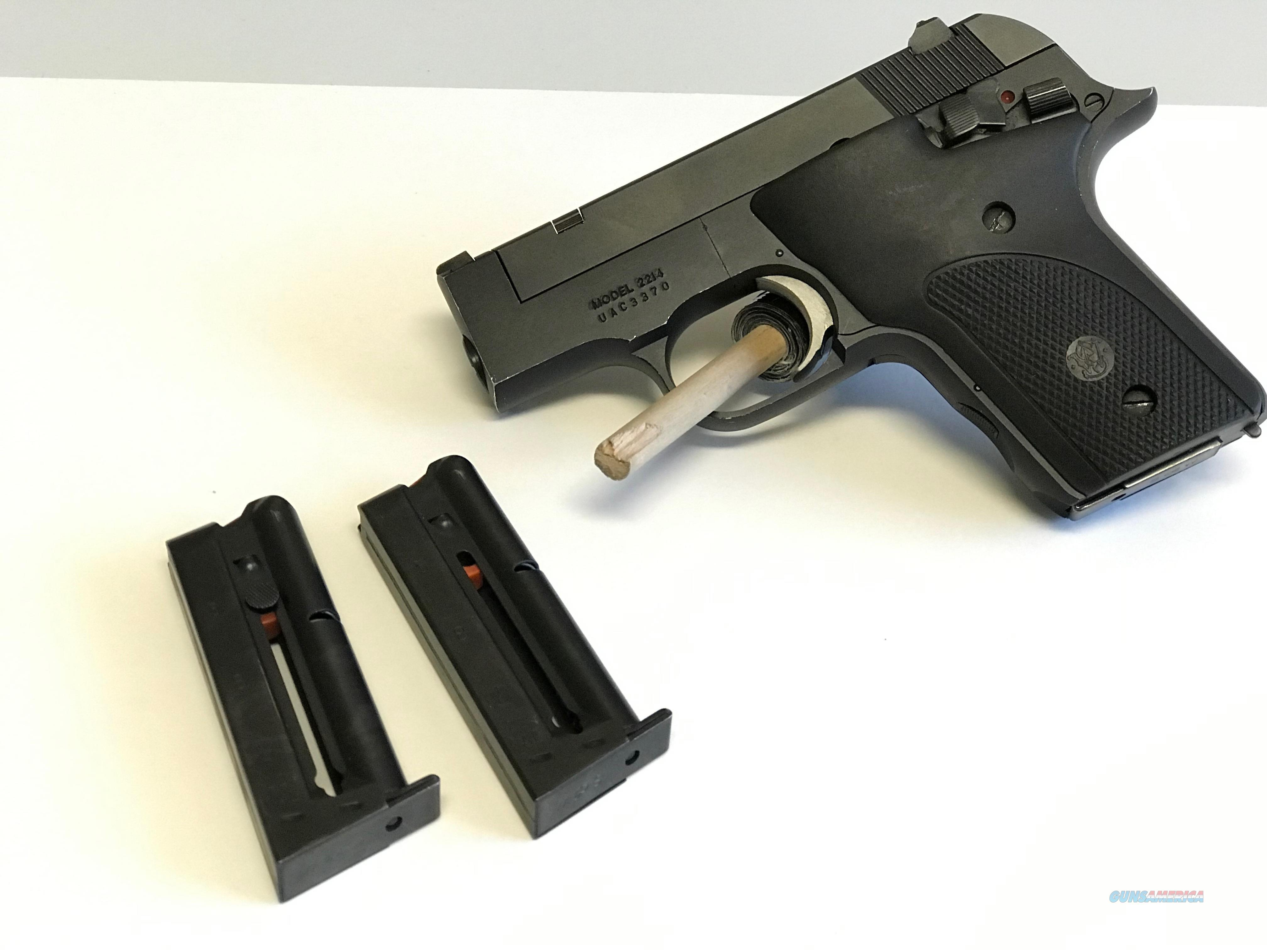 USED Smith & Wesson Model 2214 22LR w/3 Mags  Guns > Pistols > Smith & Wesson Pistols - Autos > .22 Autos