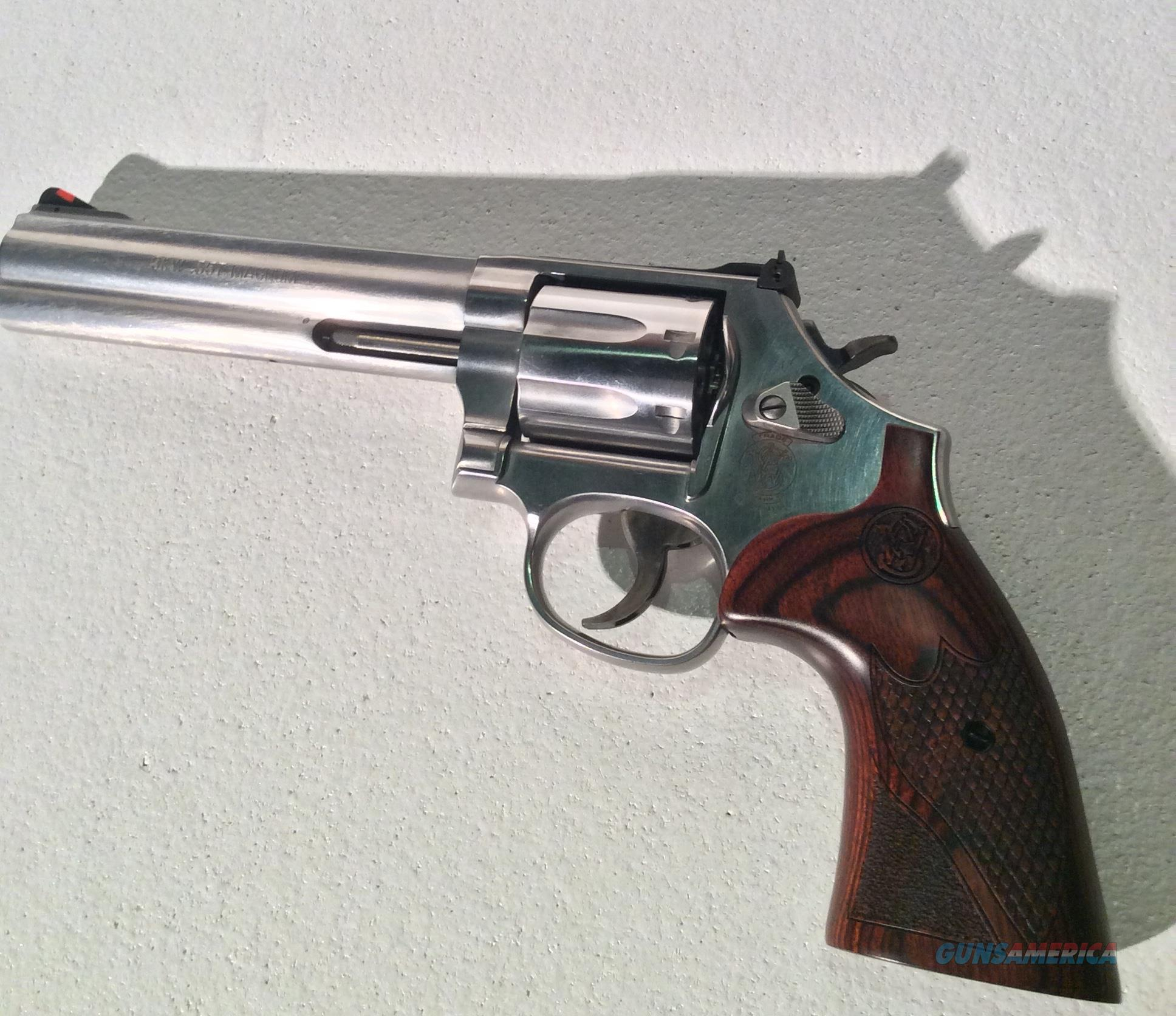 Smith & Wesson (S&W) 686 Like New  Guns > Pistols > Smith & Wesson Revolvers > Med. Frame ( K/L )