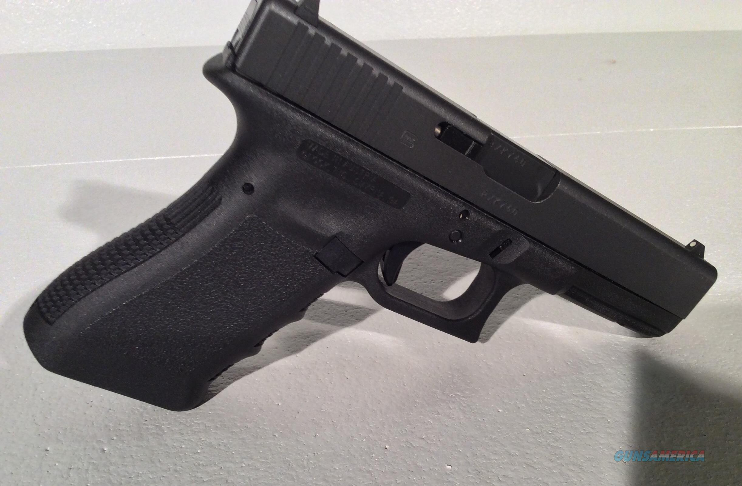 Glock 17 Gen 3 (never fired)  Guns > Pistols > Glock Pistols > 17