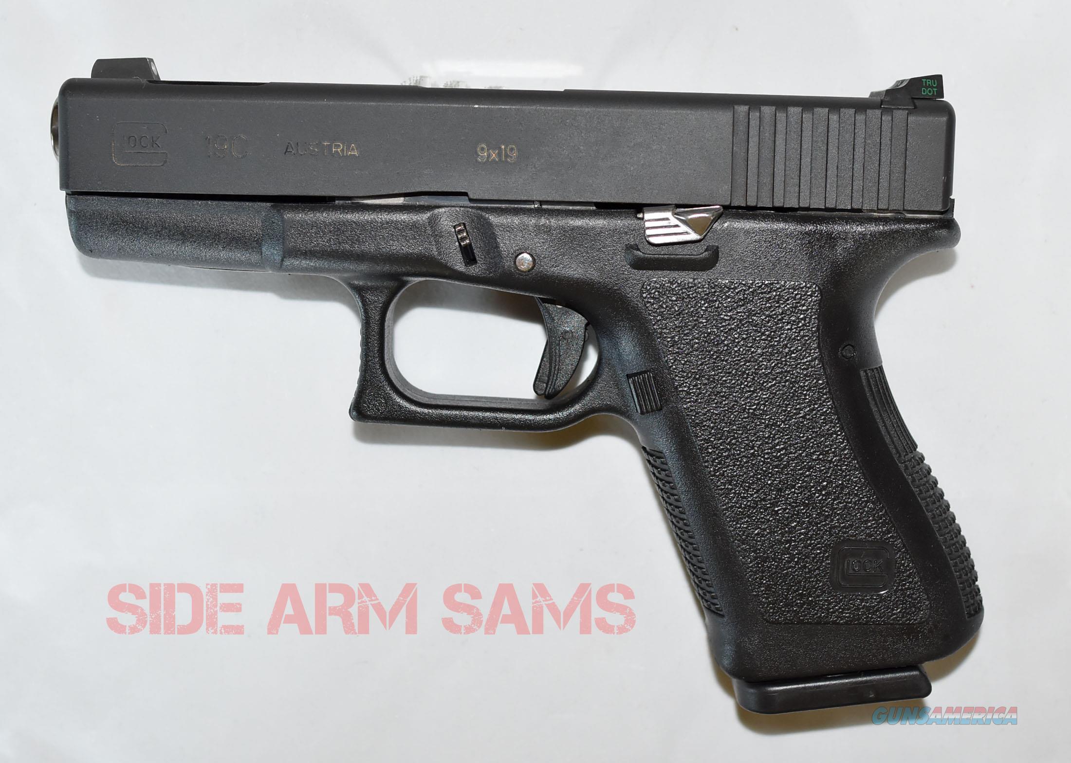 Excellent Vintage Glock 19C Gen 2 with Custom Features  Guns > Pistols > Glock Pistols > 19/19X