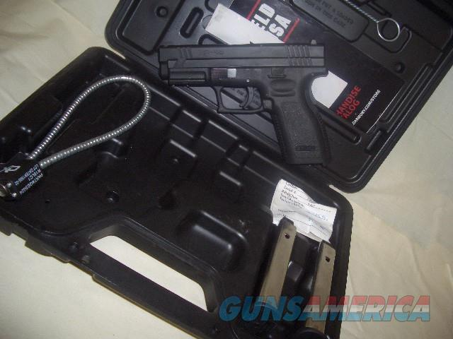 SPRINGFIELD ARMORY XD-40  IN 40 S&W  Guns > Pistols > Springfield Armory Pistols > XD (eXtreme Duty)