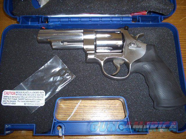 SMITH AND WESSON 629 STAINLESS IN 44 MAGNUM  Guns > Pistols > Smith & Wesson Revolvers > Model 629