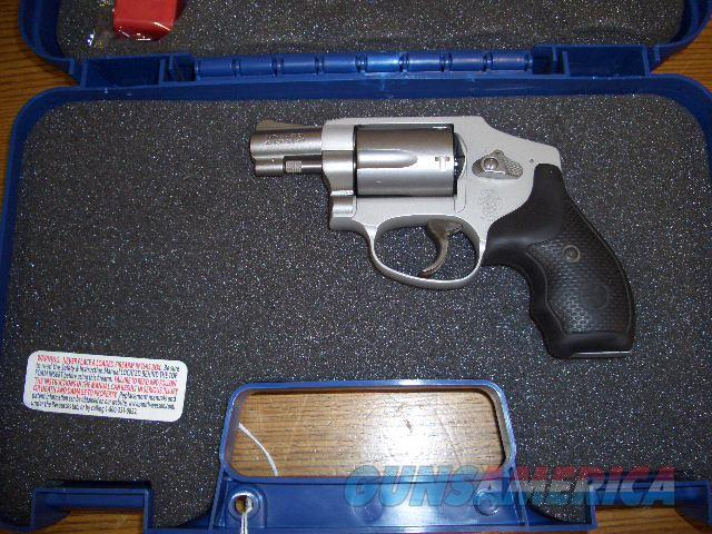 SMITH AND WESSON 642 AIR WEIGHT IN 38 SPECIAL  Guns > Pistols > Smith & Wesson Revolvers > Small Frame ( J )