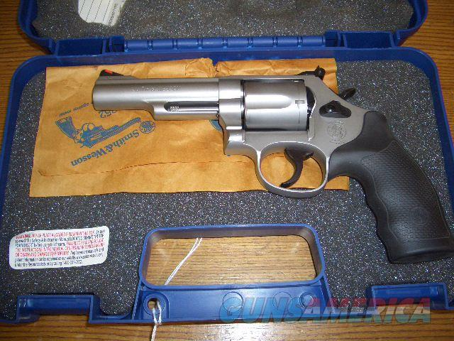 SMITH AND WESSON MODEL 69 STAINLESS IN 44 MAGNUM  Guns > Pistols > Smith & Wesson Revolvers > Full Frame Revolver