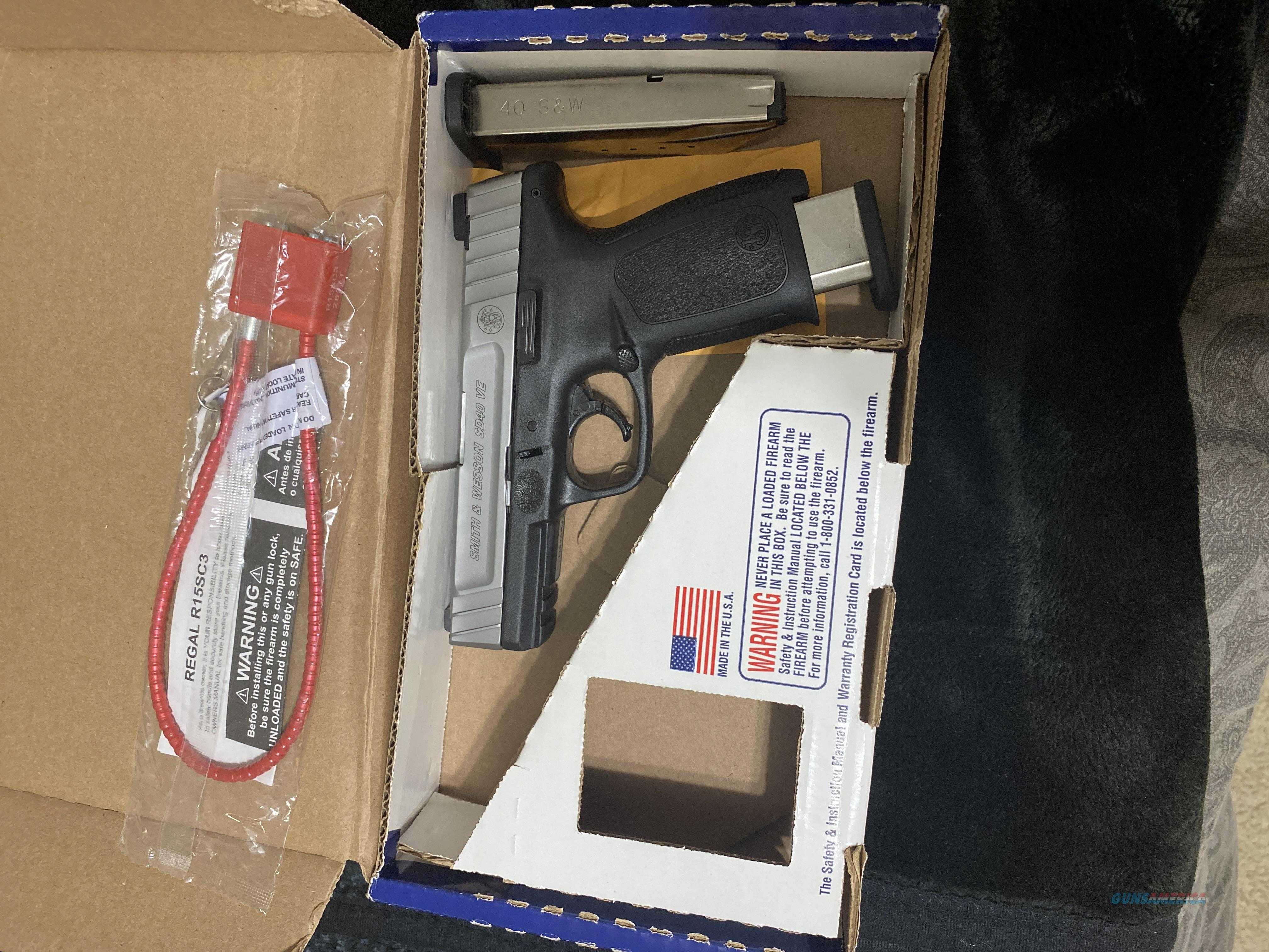 LIKE NEW MODEL SD40VE  Guns > Pistols > Smith & Wesson Pistols - Autos > Polymer Frame