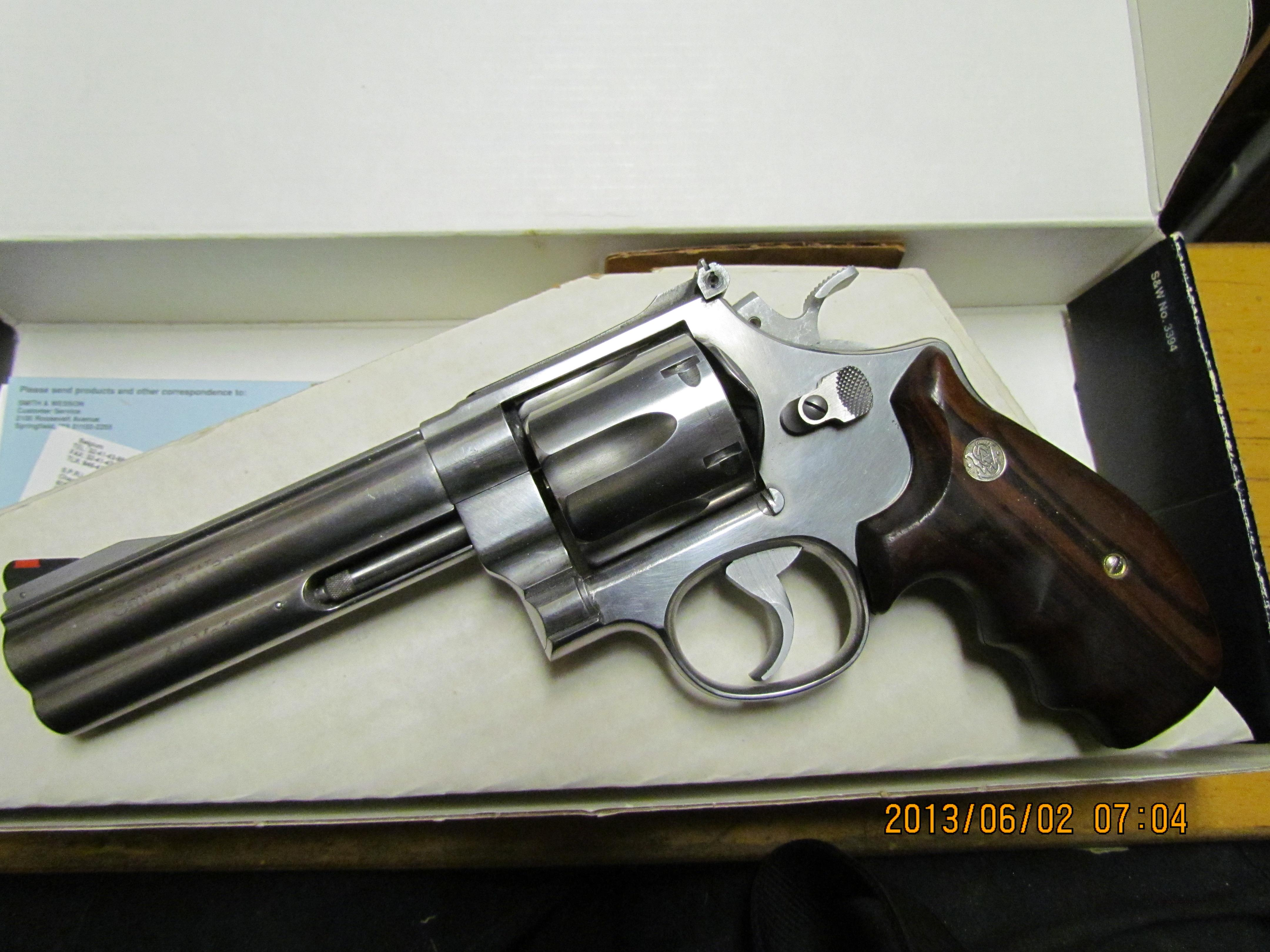"S&W 629 Classic Pre Lock 5"" barrel w/paperwork in original Blue Box  Guns > Pistols > Smith & Wesson Revolvers > Model 629"