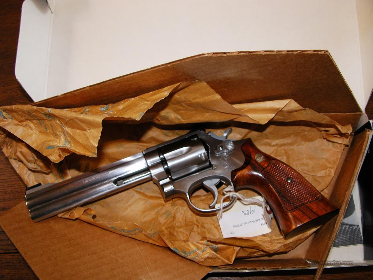 S&W 686 1983  357 MAG 6 ROUND 1983 MANUFACTURE NIB.  Guns > Pistols > Smith & Wesson Revolvers > Full Frame Revolver
