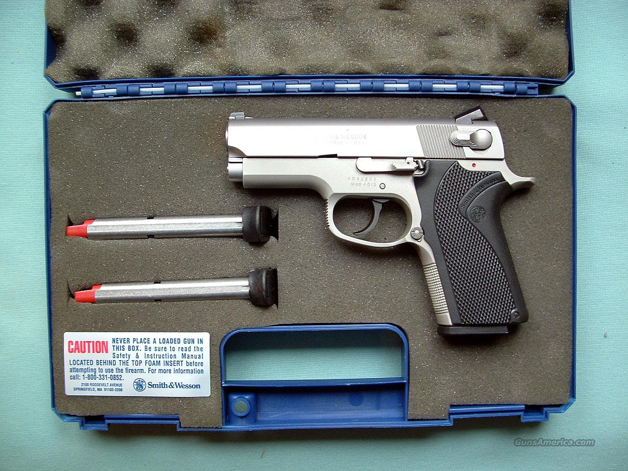 Smith & Wesson Model 4013  Guns > Pistols > Smith & Wesson Pistols - Autos > Steel Frame