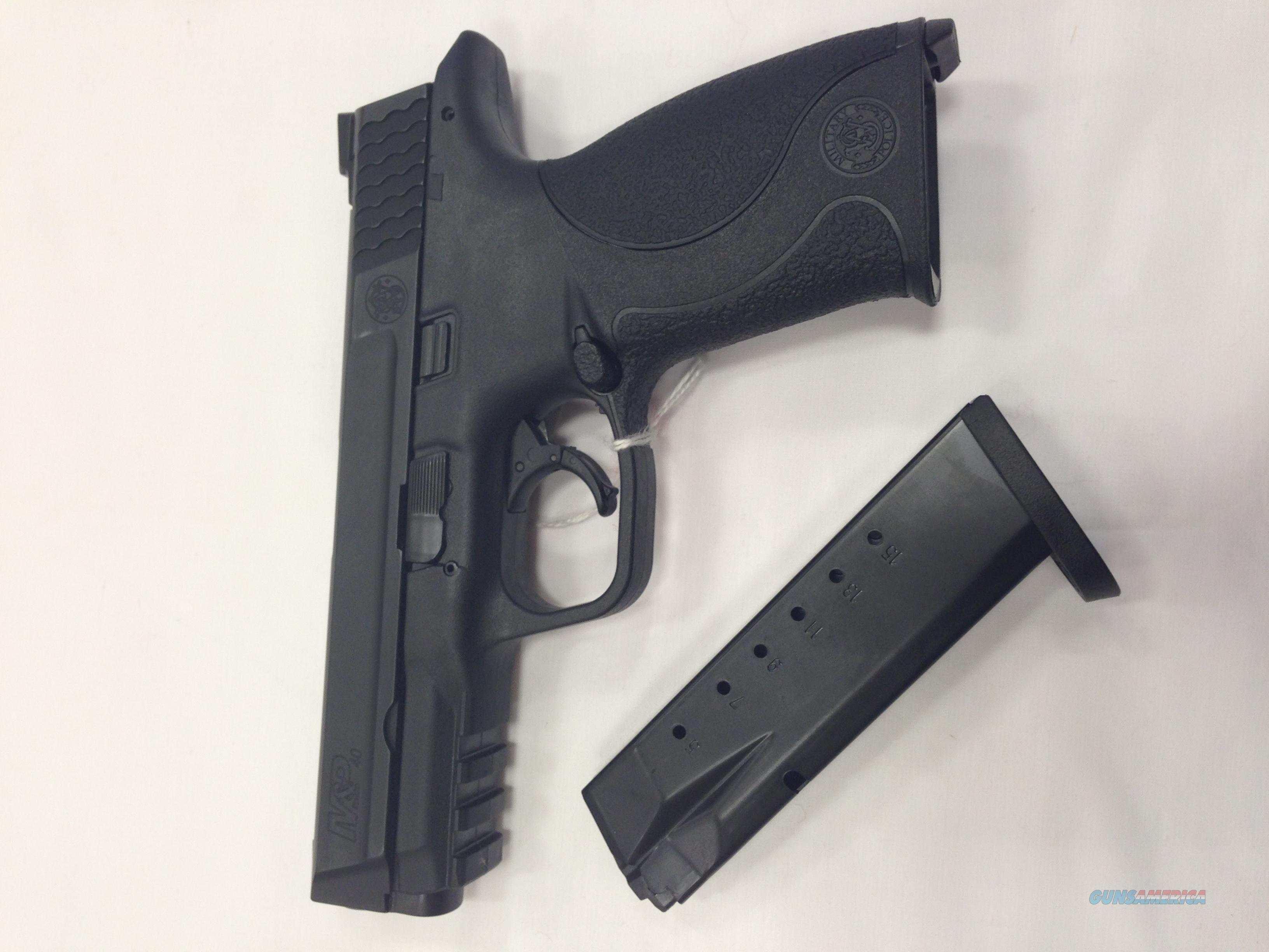 Smith & Wesson M&P Full Size 40 15RD  Guns > Pistols > Smith & Wesson Pistols - Autos > Polymer Frame