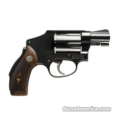 Smith and Wesson Model 40   Guns > Pistols > Smith & Wesson Revolvers > Performance Center