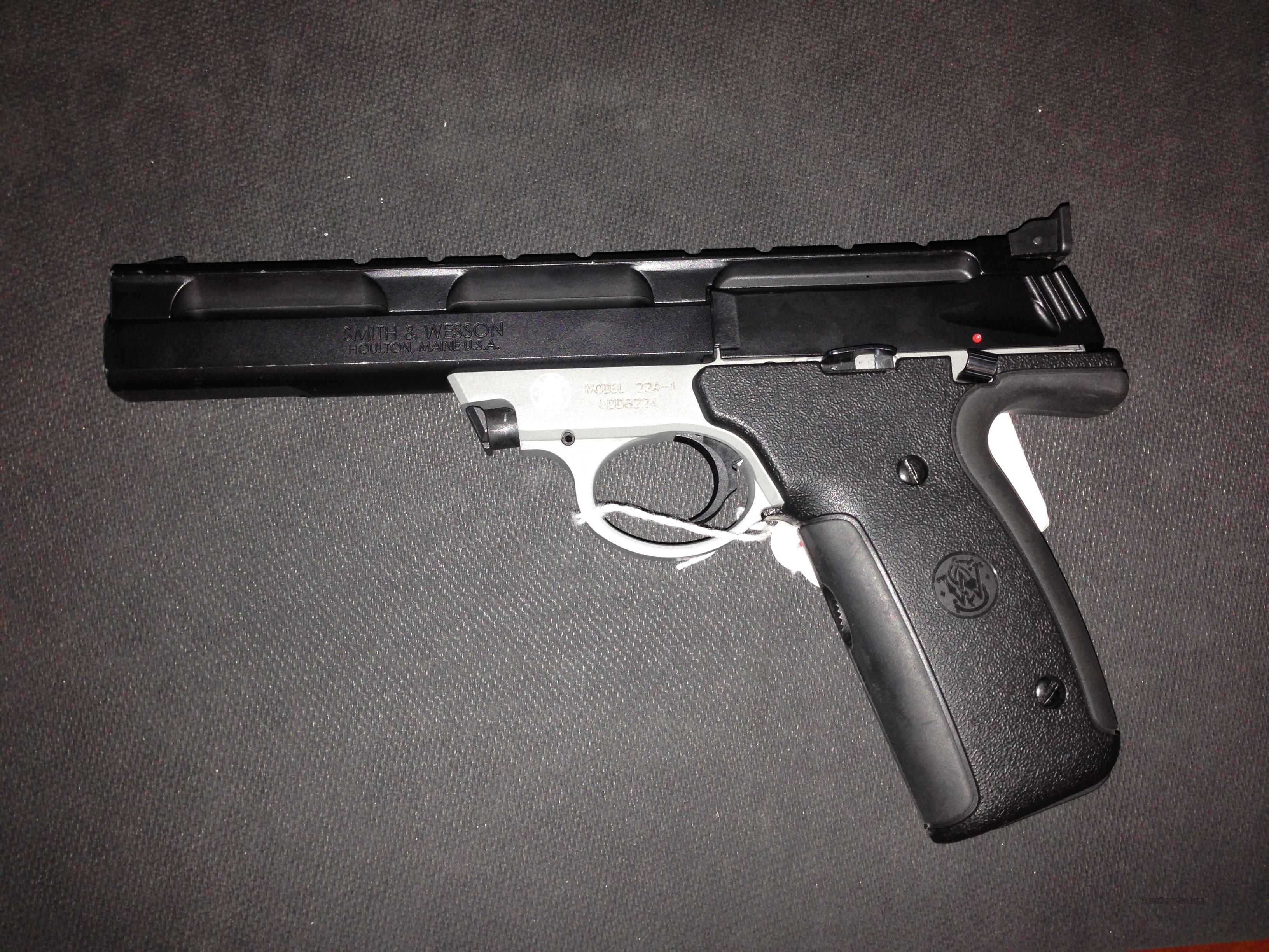 Smith and Wesson 22 Auto .22LR 5.5 in.  Guns > Pistols > Smith & Wesson Pistols - Autos > .22 Autos