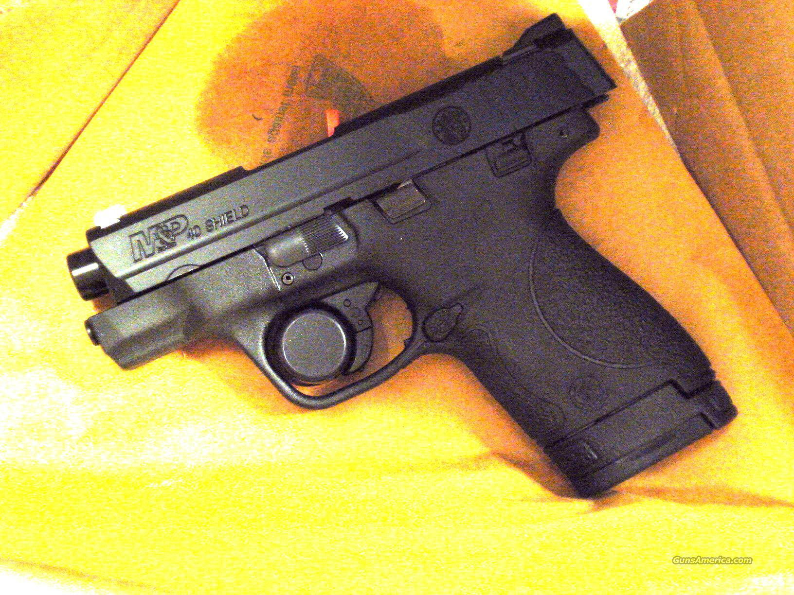 "S&W M&P SHIELD NEW IN BOX .40 3 1/8""BBL  Guns > Pistols > Smith & Wesson Pistols - Autos > Polymer Frame"