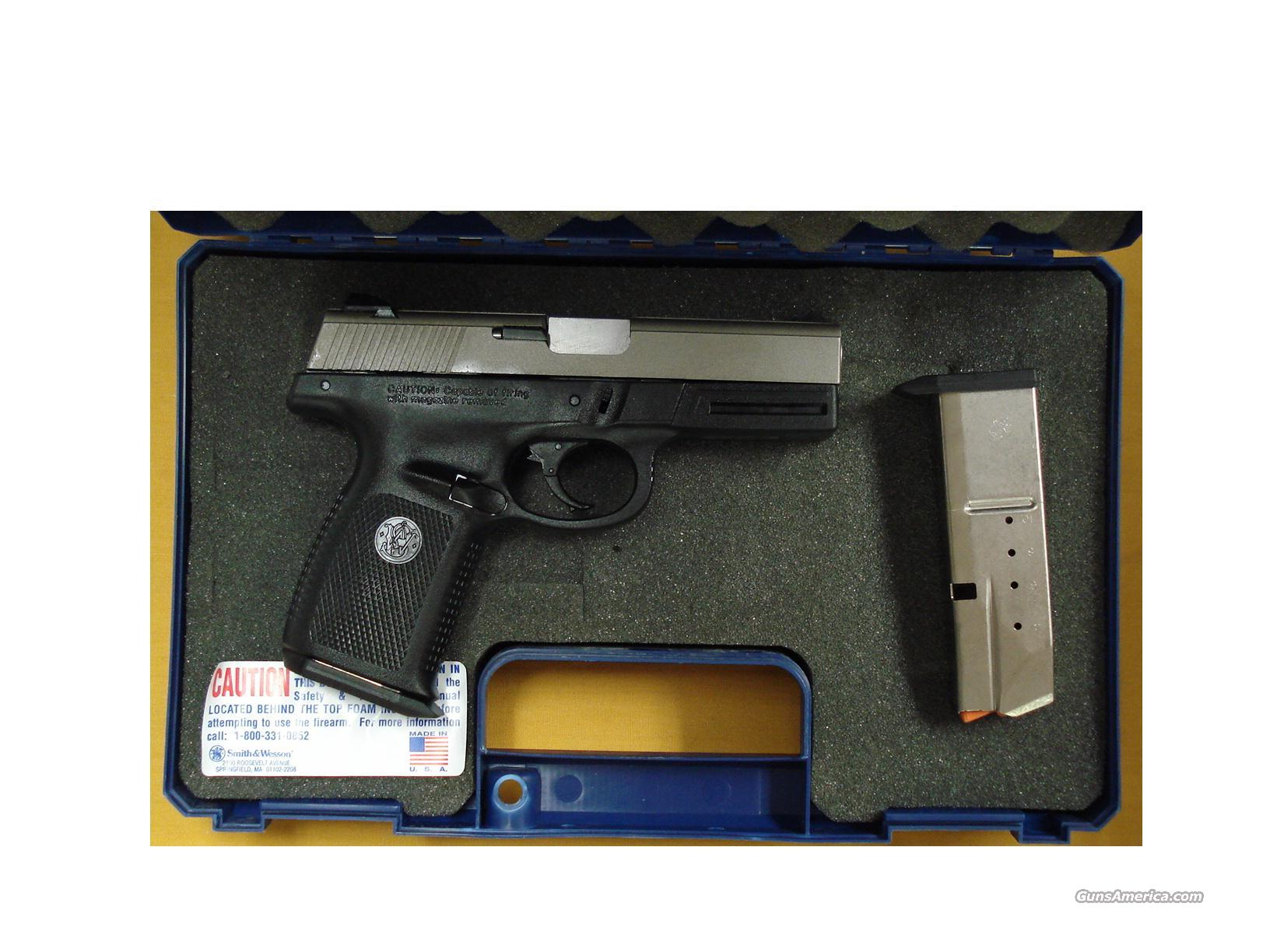 "S&W SW40VE .40S&W 4""BARREL  Guns > Pistols > Smith & Wesson Pistols - Autos > Polymer Frame"