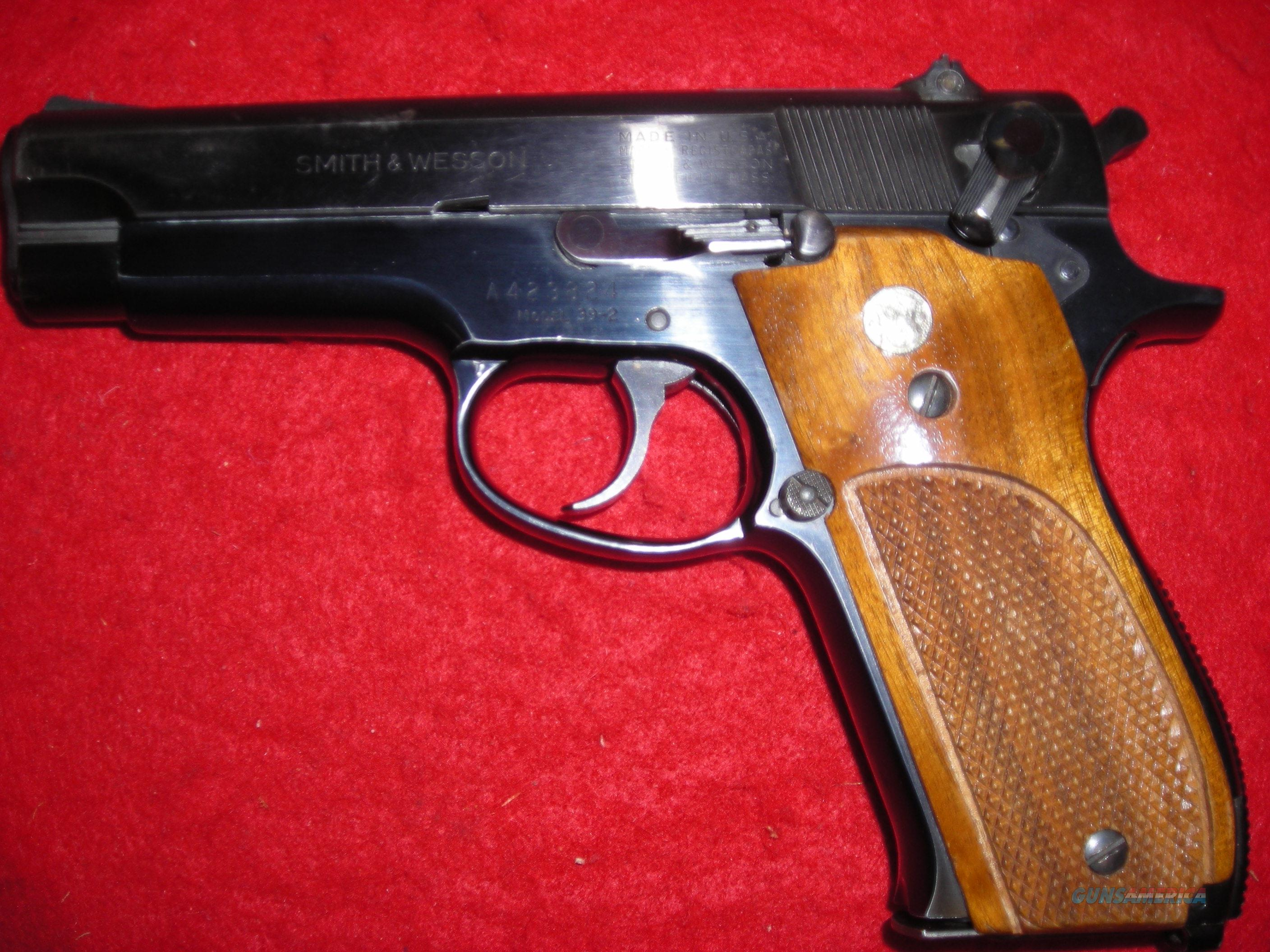 SMITH AND WESSON MODEL 39=2  Guns > Pistols > Smith & Wesson Pistols - Autos > Steel Frame