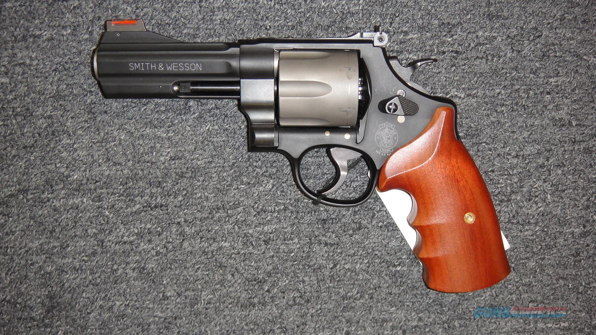 Smith & Wesson 329PD Air Lite .44 Magnum  Guns > Pistols > Smith & Wesson Revolvers > Med. Frame ( K/L )