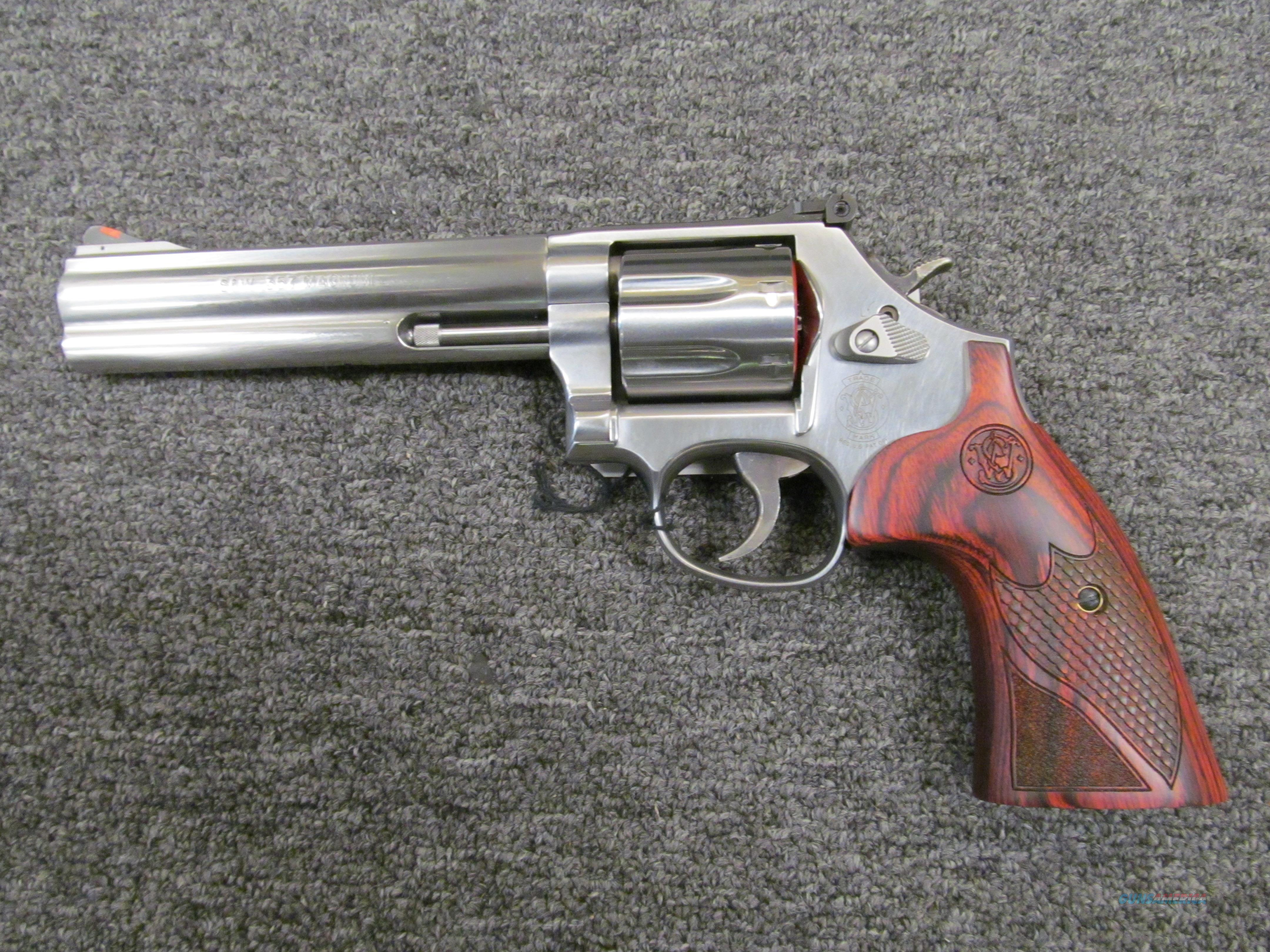 Smith & Wesson 686-6 Plus Deluxe (150712)  Guns > Pistols > Smith & Wesson Revolvers > Med. Frame ( K/L )