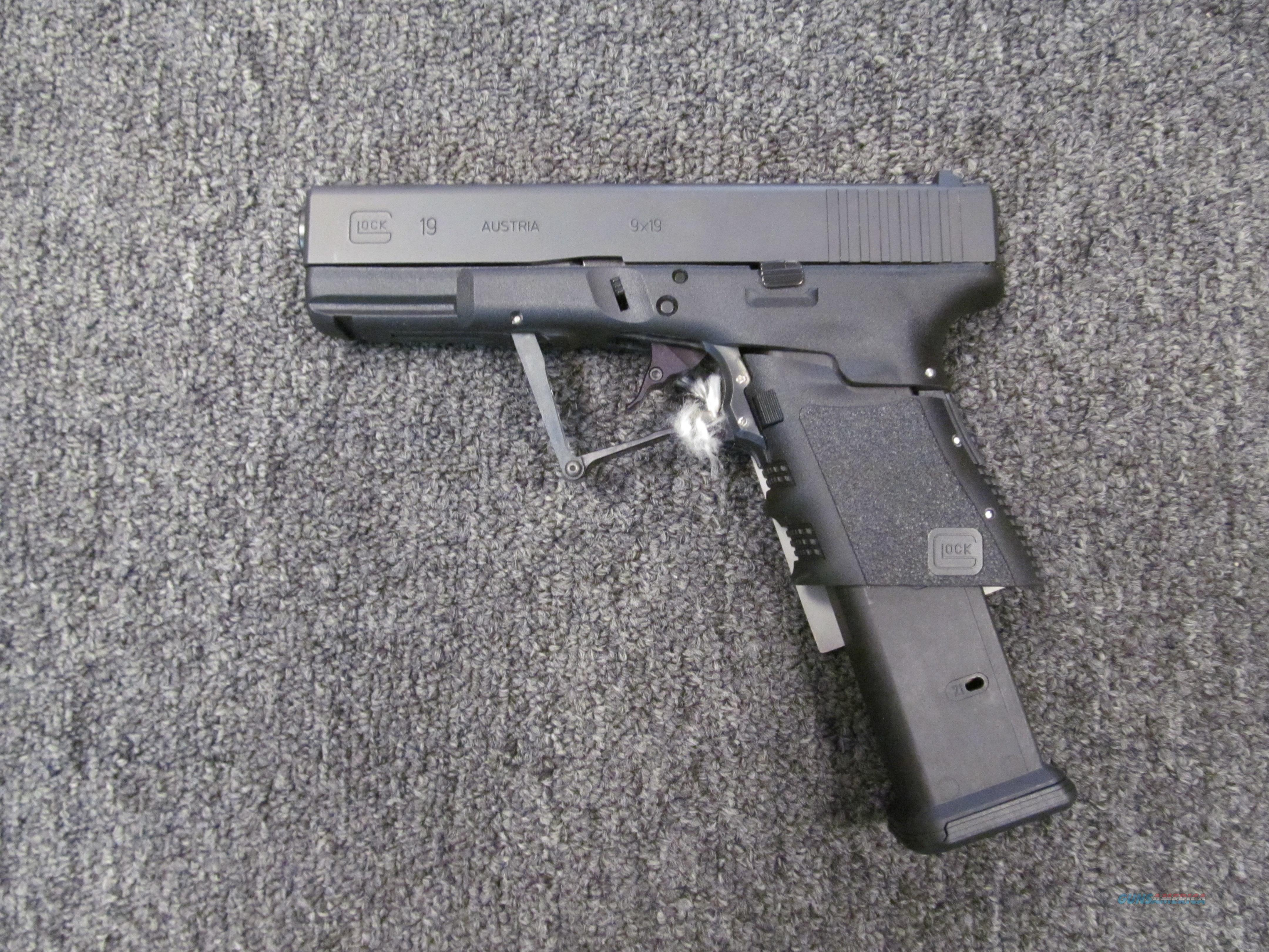 Glock 19 Full Concealment  Guns > Pistols > Glock Pistols > 19/19X