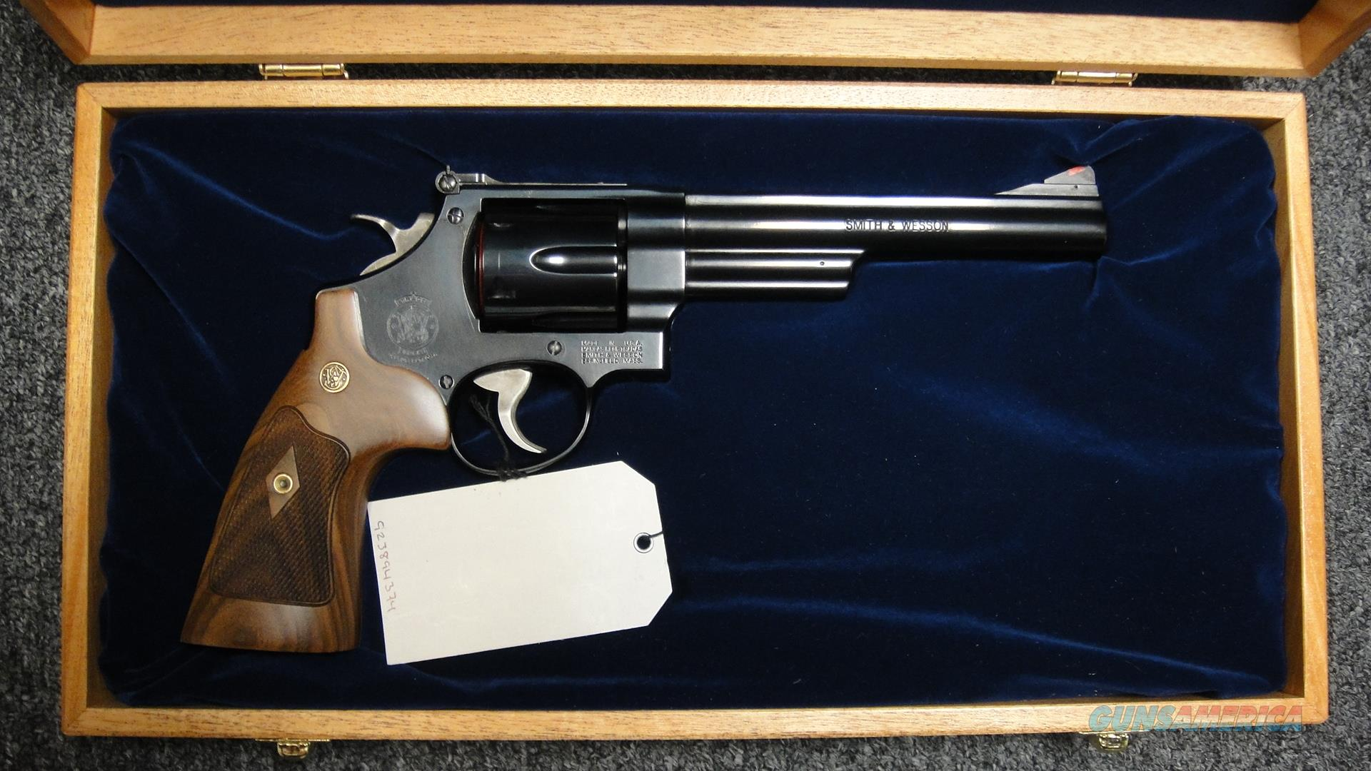 Smith & Wesson Model 29-10 .44 Magnum w/ Mohagony Case  Guns > Pistols > Smith & Wesson Revolvers > Full Frame Revolver