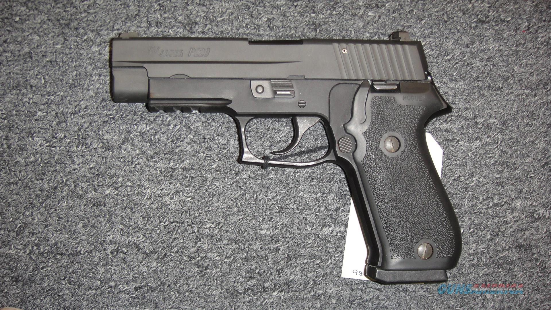 Sig Sauer P220R DAK (used)  Guns > Pistols > Sig - Sauer/Sigarms Pistols > P220
