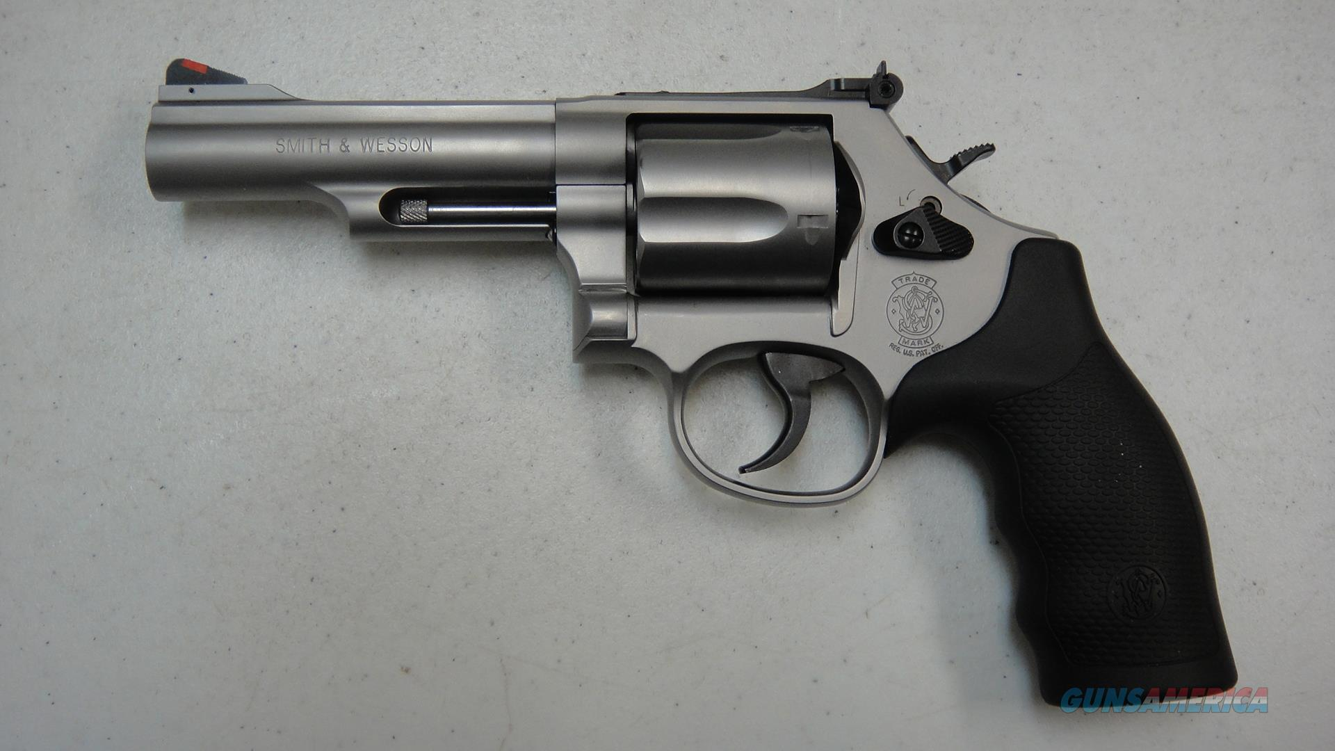 Smith & Wesson Model 69 .44 Combat Magnum  Guns > Pistols > Smith & Wesson Revolvers > Med. Frame ( K/L )