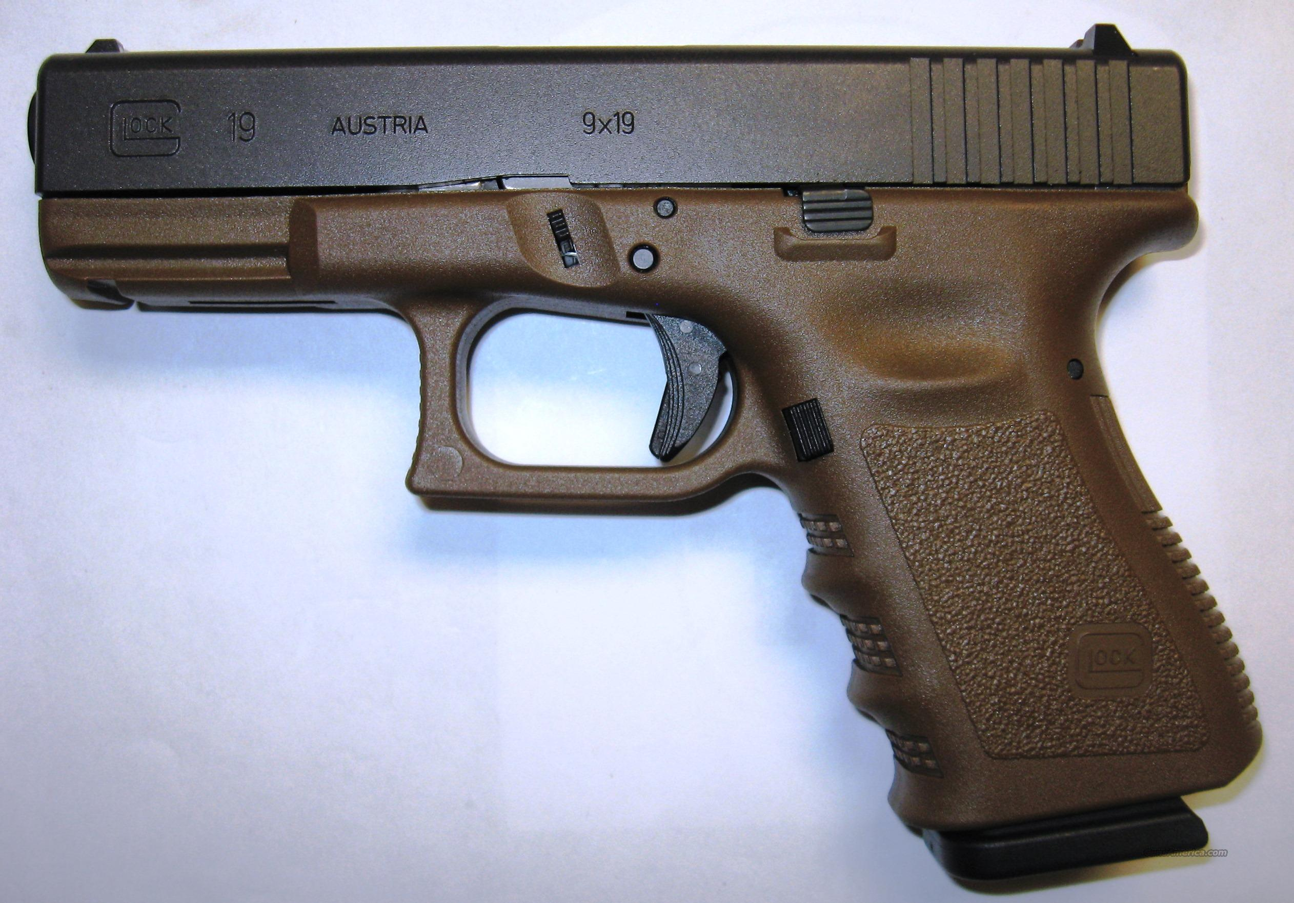 Glock 19 Flat Dark Earth  Guns > Pistols > Glock Pistols > 19