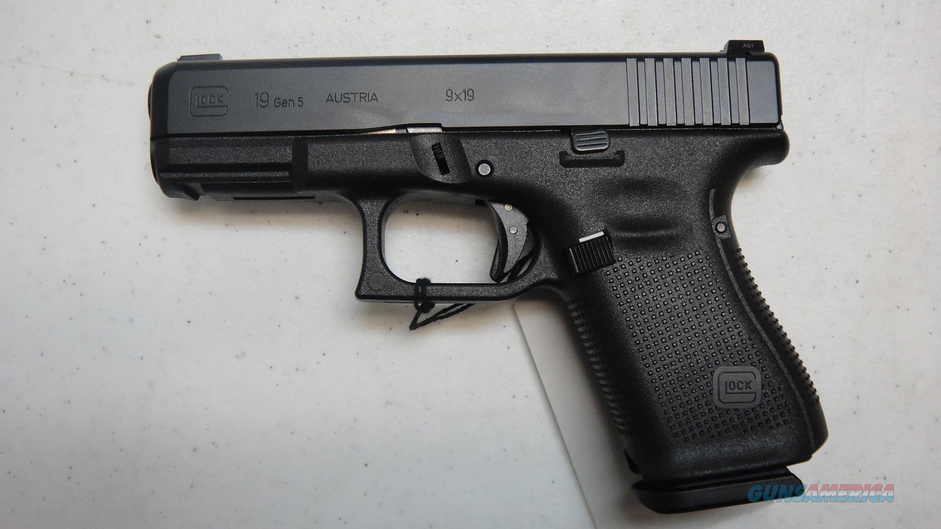 Glock 19 Gen 5 Night Sights  Guns > Pistols > Glock Pistols > 19