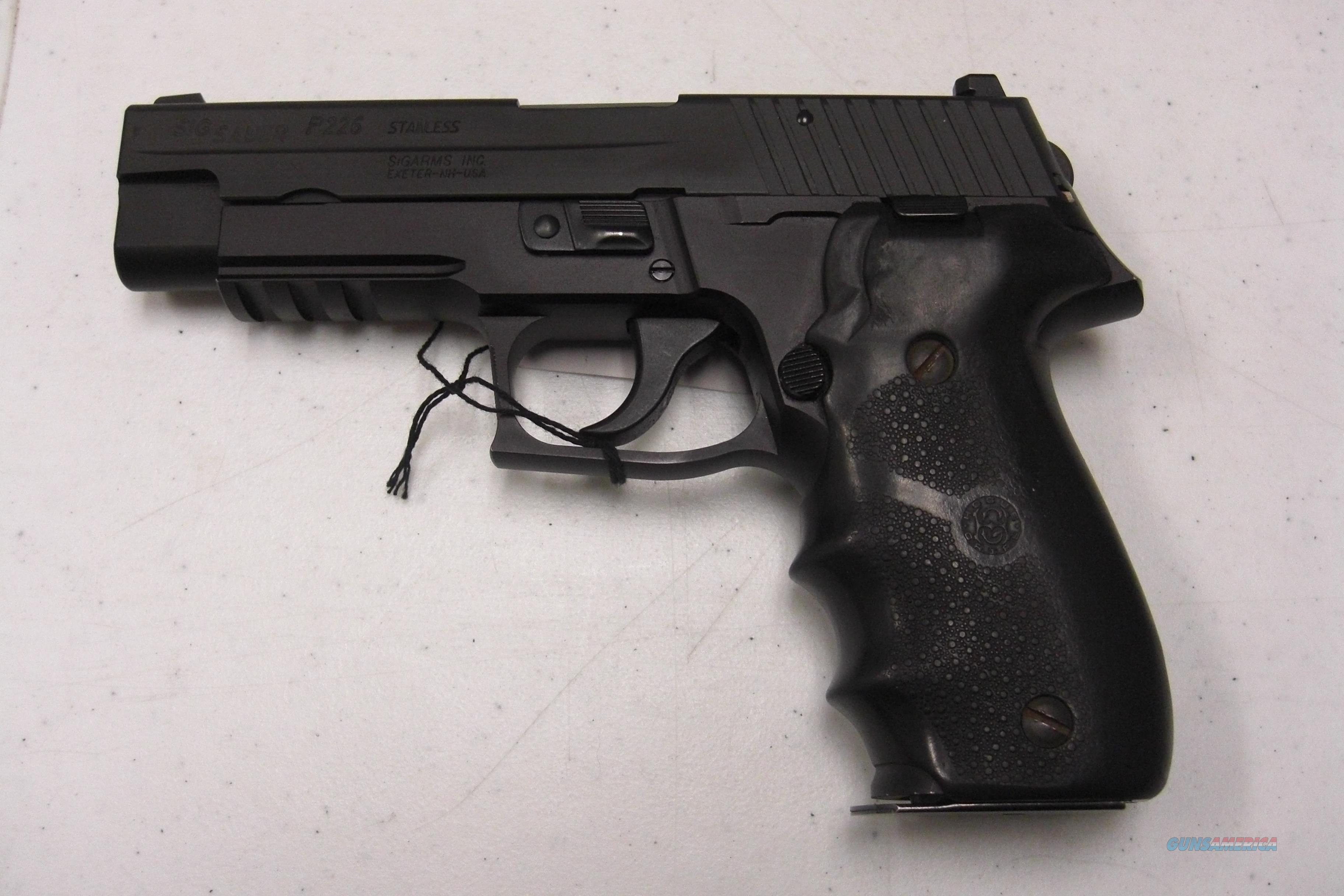 Sig Sauer P226 DAK .40S&W w/ 3 mags (used)  Guns > Pistols > Sig - Sauer/Sigarms Pistols > P226