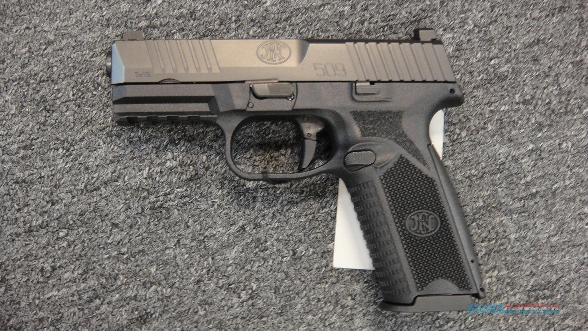 FNH 509 w/ luminescent sights  Guns > Pistols > FNH - Fabrique Nationale (FN) Pistols > FN 509