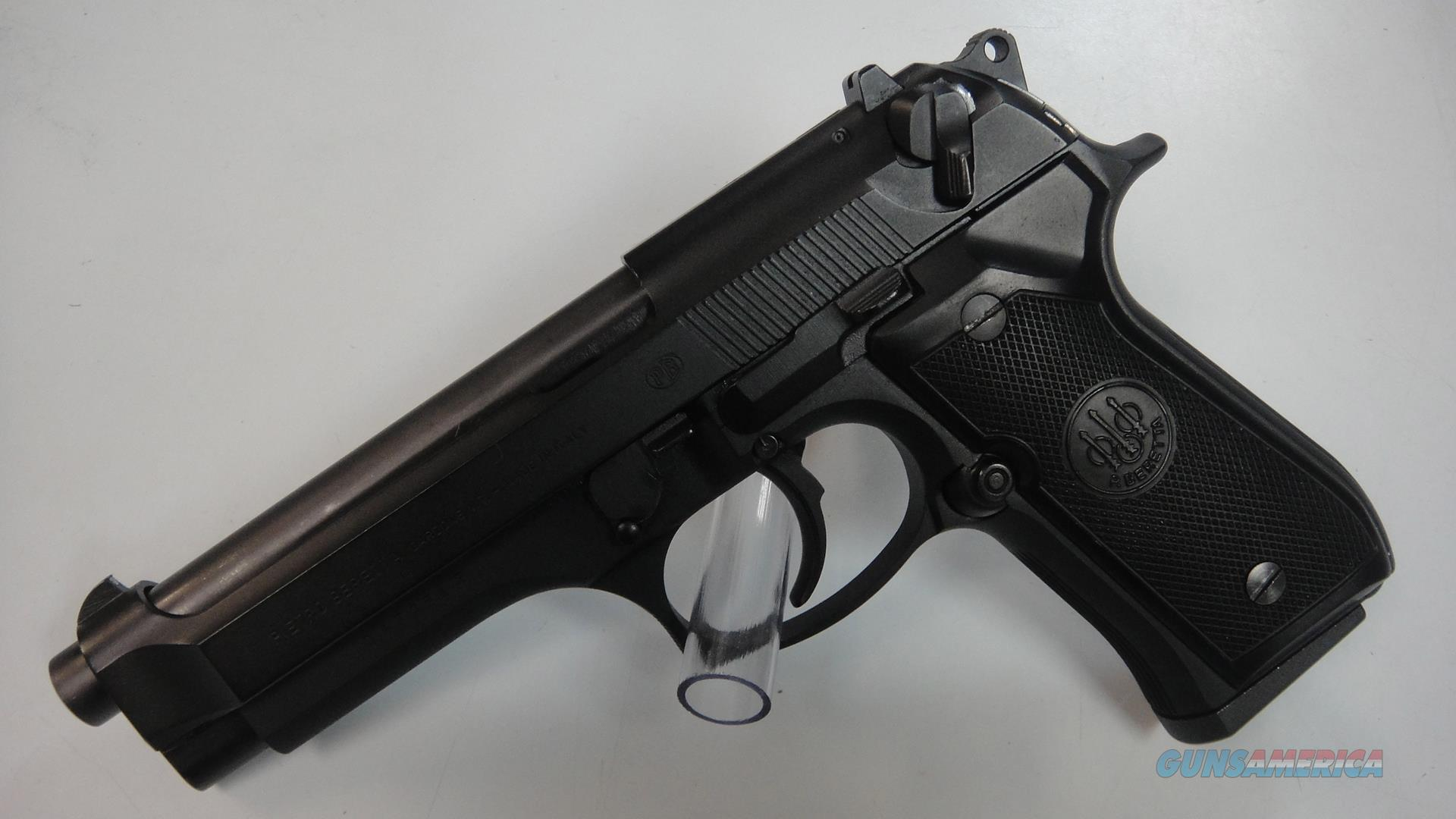 Beretta 92 F (used)  Guns > Pistols > Beretta Pistols > Model 92 Series