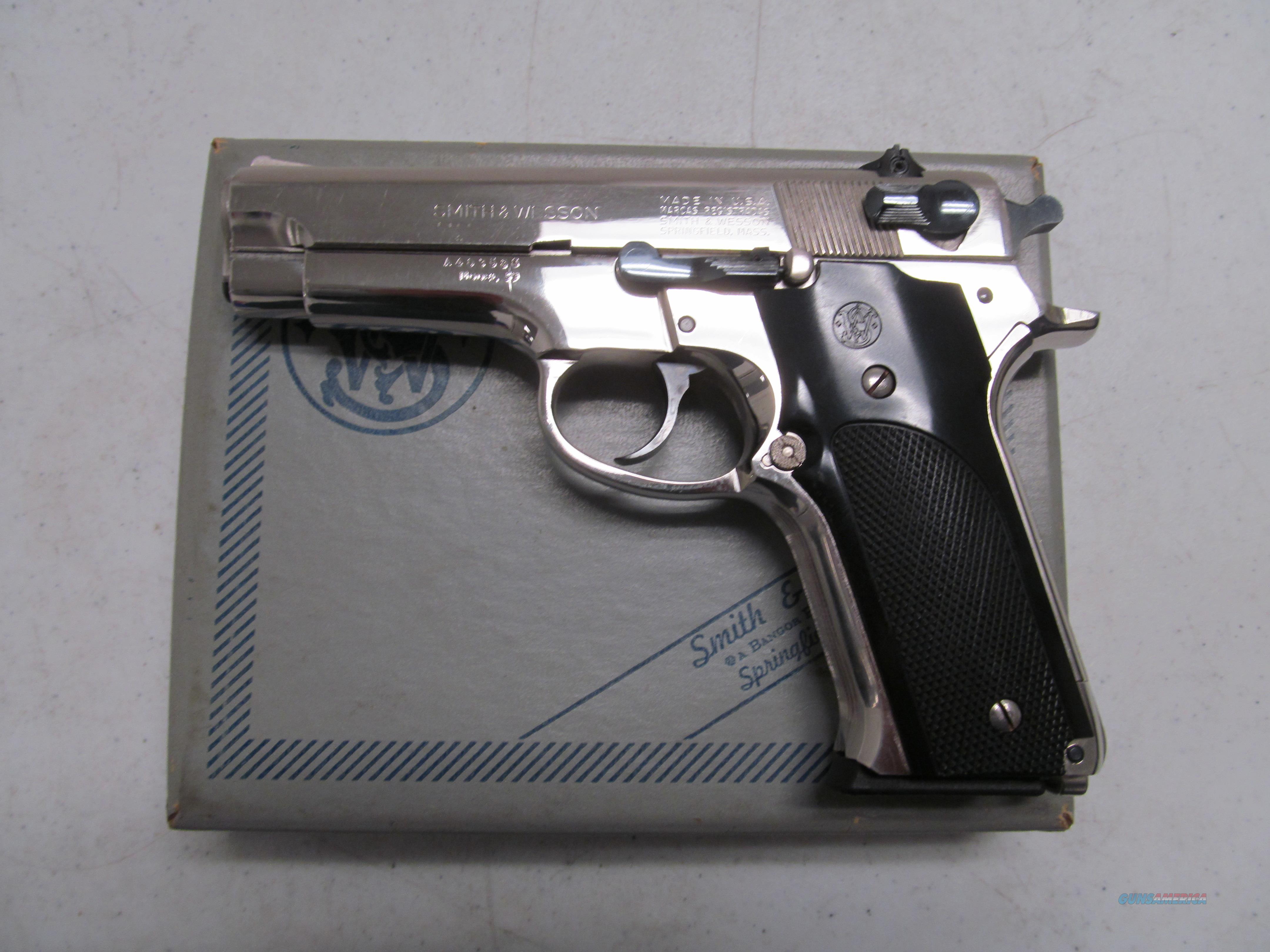 Smith & Wesson Model 59, Original Nickel, Box  Guns > Pistols > Smith & Wesson Pistols - Autos > Steel Frame