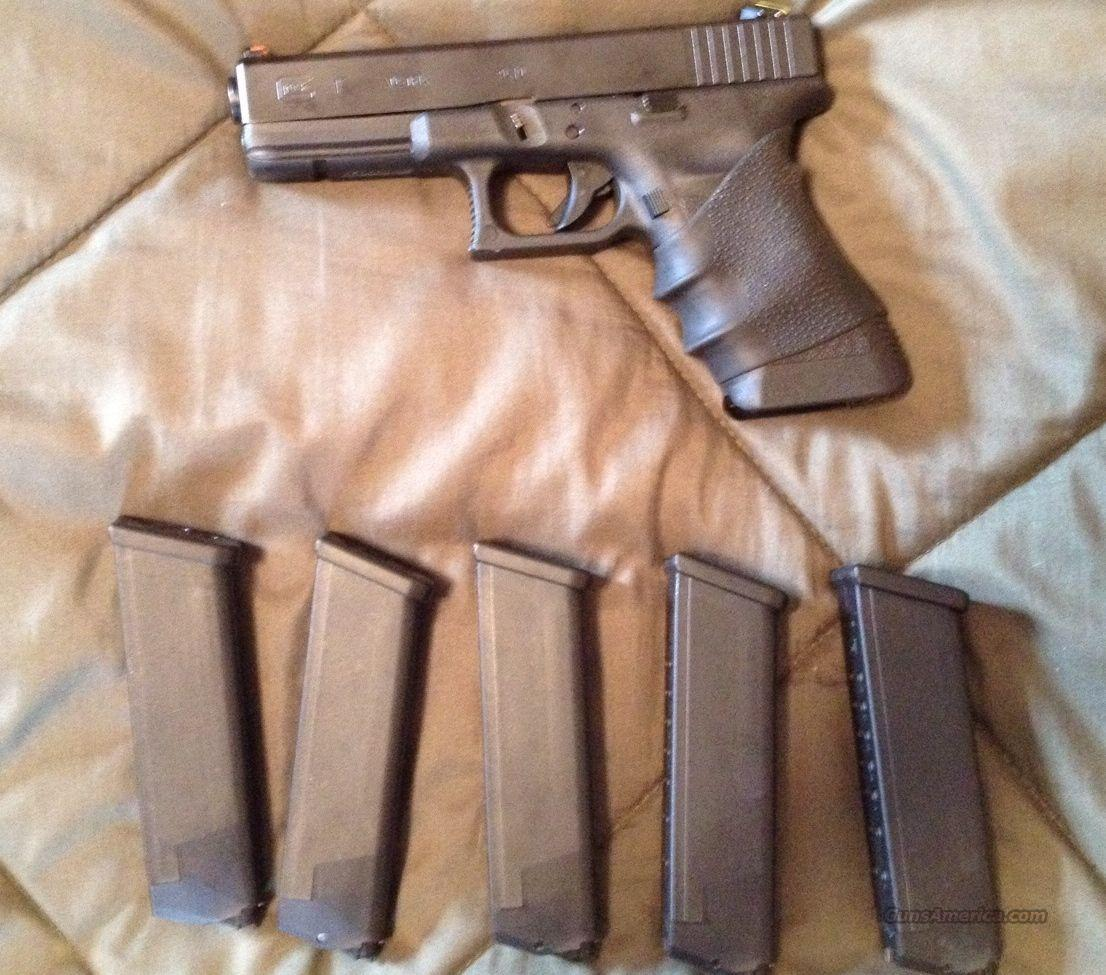 Glock 17 9mm with ATS and laser  Guns > Pistols > Glock Pistols > 17