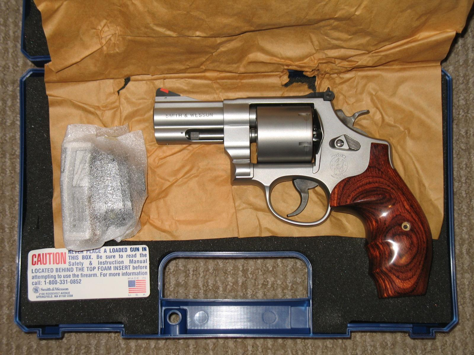 "S&W Model 610-2 Lew Horton Non-fluted 3"" bbl 10mm w/ 3 Moon Clips  Guns > Pistols > Smith & Wesson Revolvers > Full Frame Revolver"