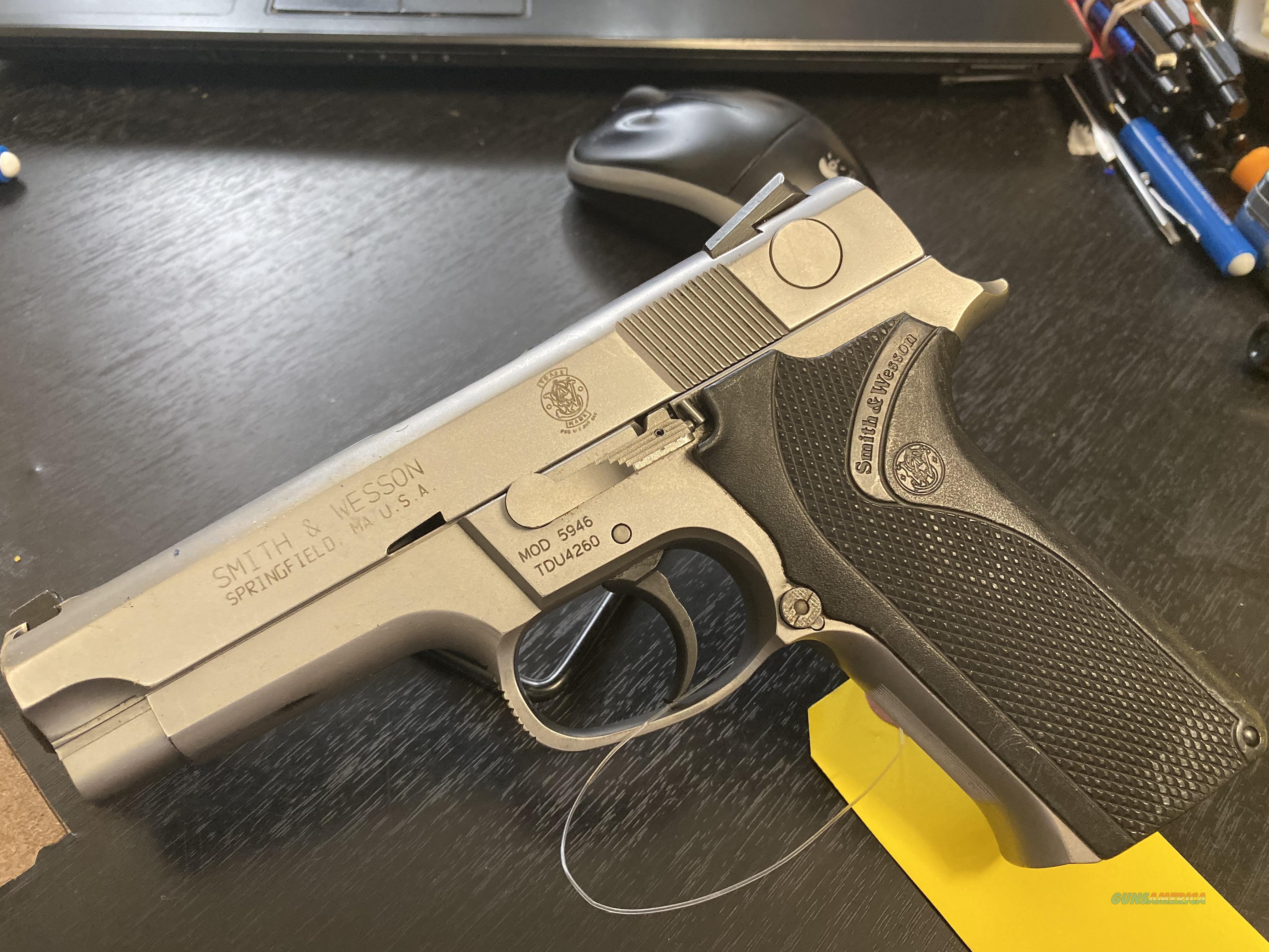 Smith & Wesson 5946  Guns > Pistols > Smith & Wesson Pistols - Autos > Alloy Frame