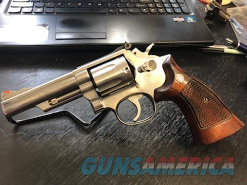 Smith & Wesson Model 66-2  Guns > Pistols > Smith & Wesson Revolvers > Med. Frame ( K/L )