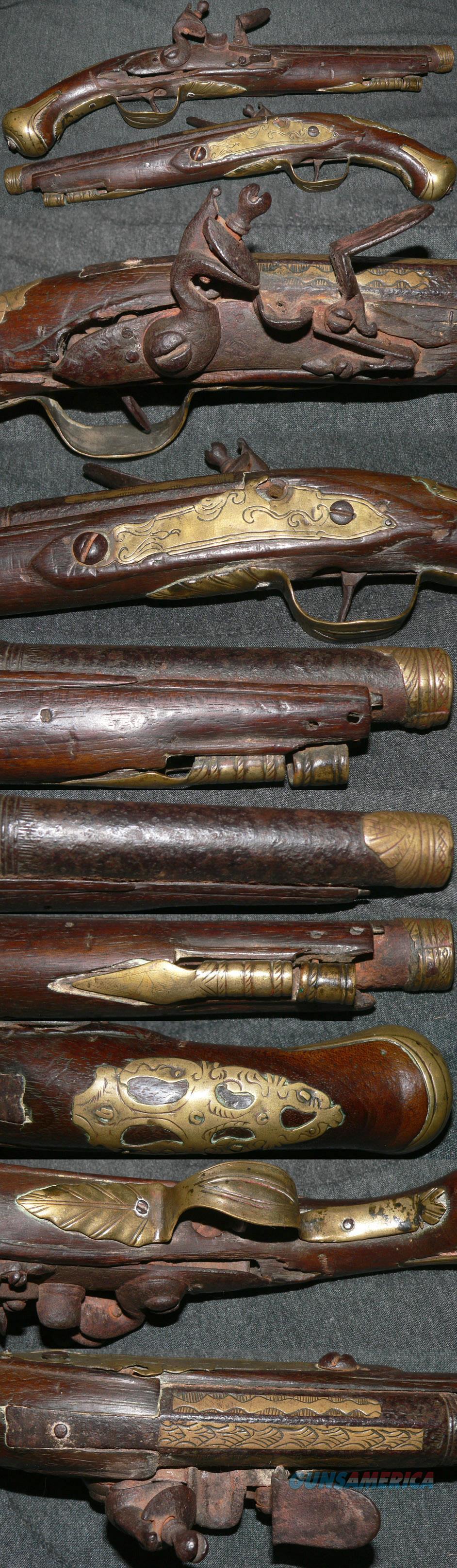very early C1700-20 flintlock belt style pistol  Guns > Pistols > Muzzleloading Pre-1899 Pistols (flint)