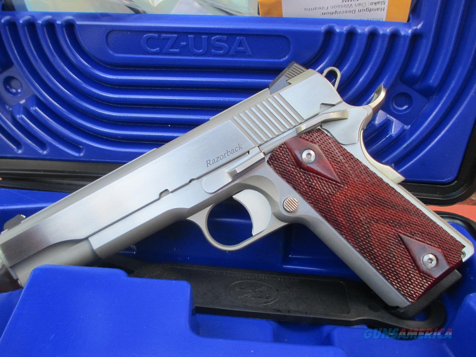 DAN WESSON 10MM RAZORBACK  Guns > Pistols > Dan Wesson Pistols/Revolvers > 1911 Style