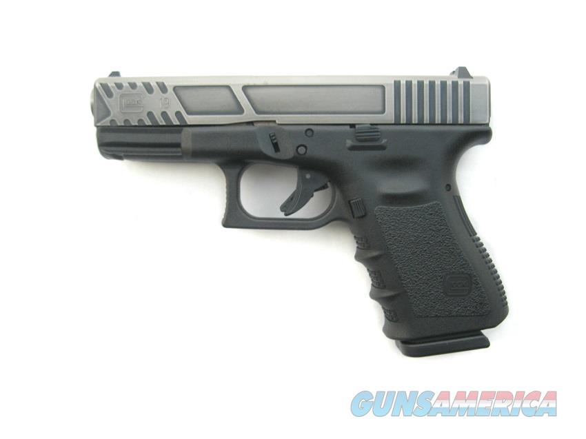 Glock 19 9mm Battle Worn Custom Hi-CAP 15 Round Mags *NIB*   Guns > Pistols > Glock Pistols > 19
