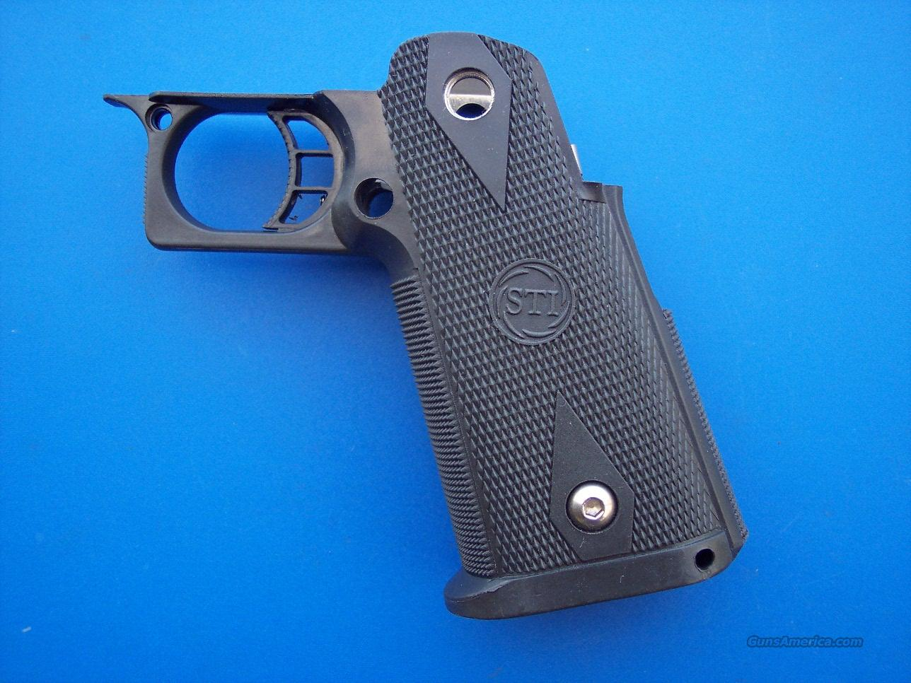 Sti 2011 Grip W Trigger Amp Mainspring Housing For Sale