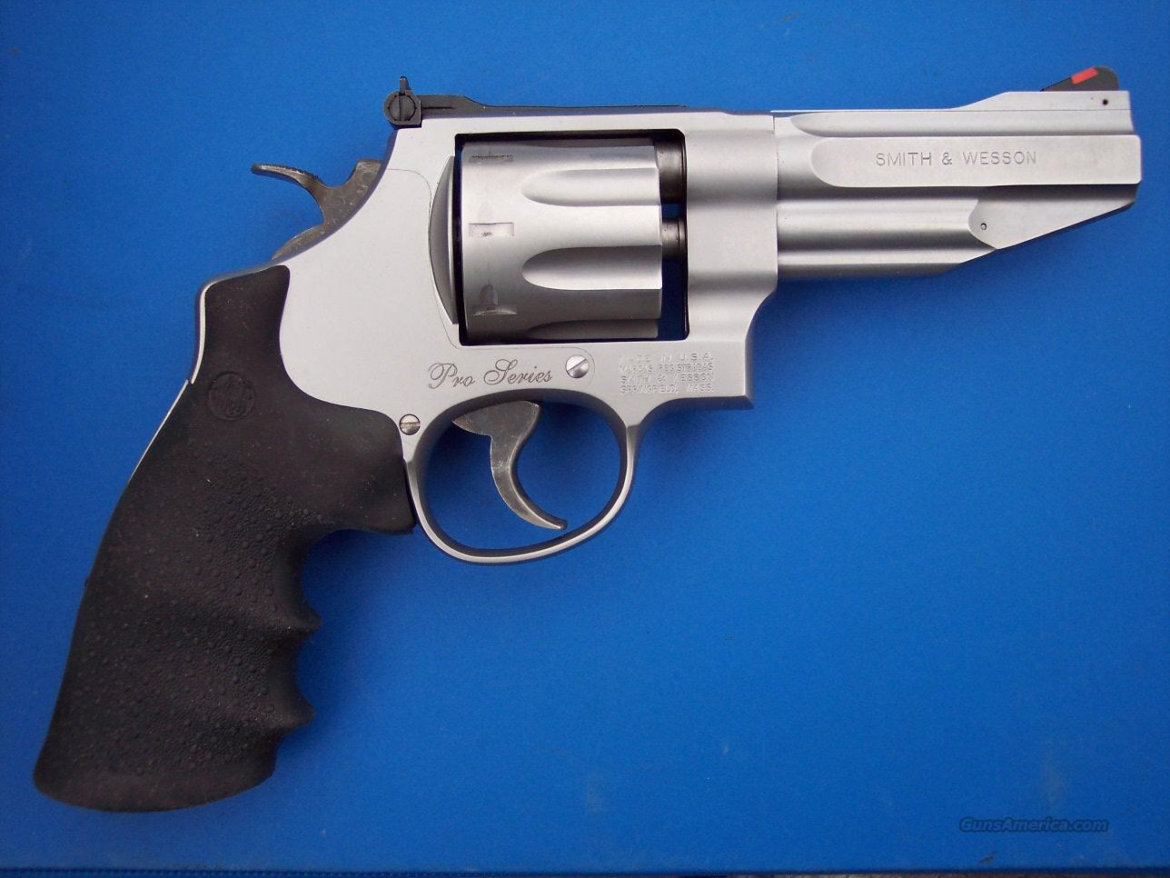 "Smith & Wesson 627 Pro Series 8 shot .357 Mag 4"" SS *NEW*  Guns > Pistols > Smith & Wesson Revolvers > Performance Center"